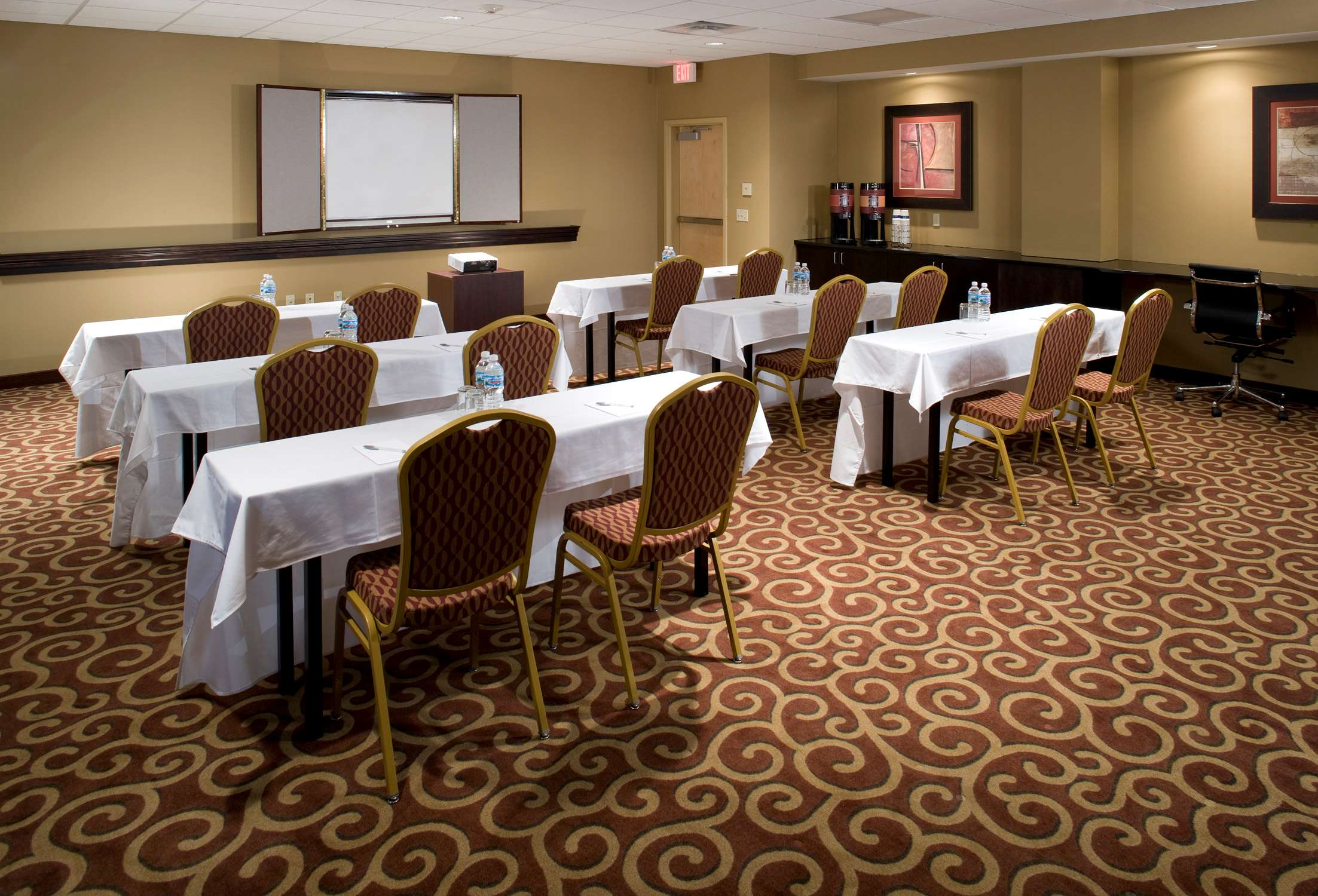Hampton Inn & Suites Rochester-North image 31