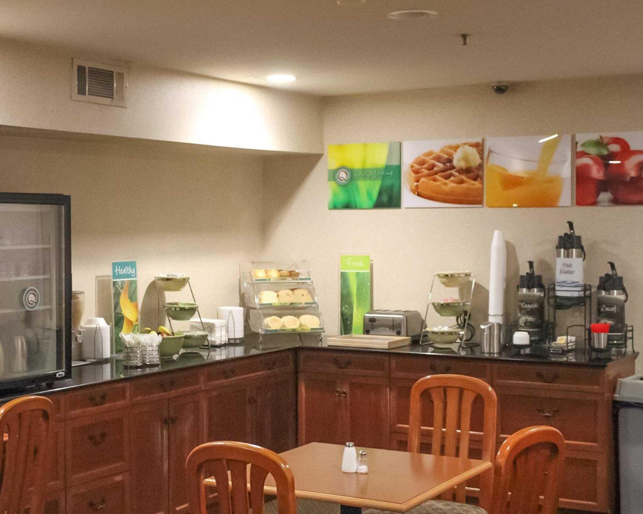 Quality Inn & Suites Oceanside Near Camp Pendleton image 10