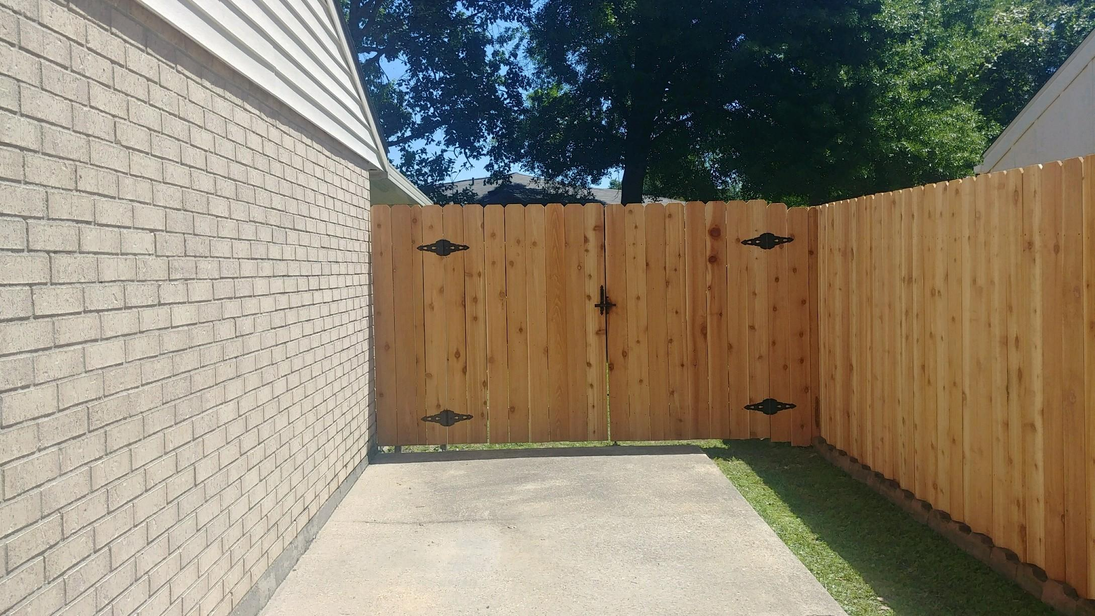 Dutil Fence & Construction image 3
