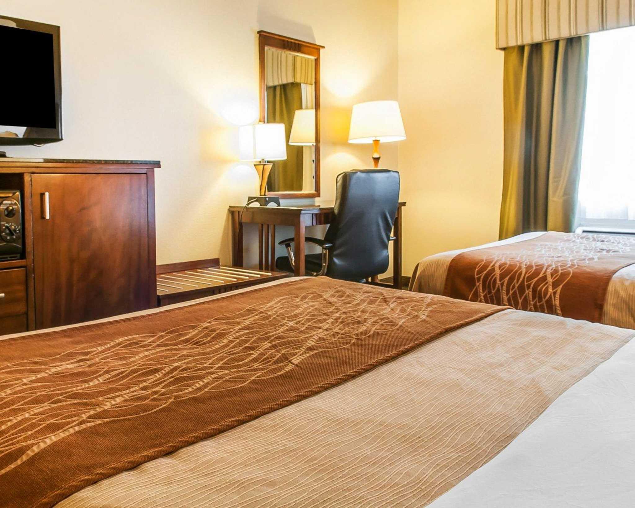 Comfort Inn Midtown image 9