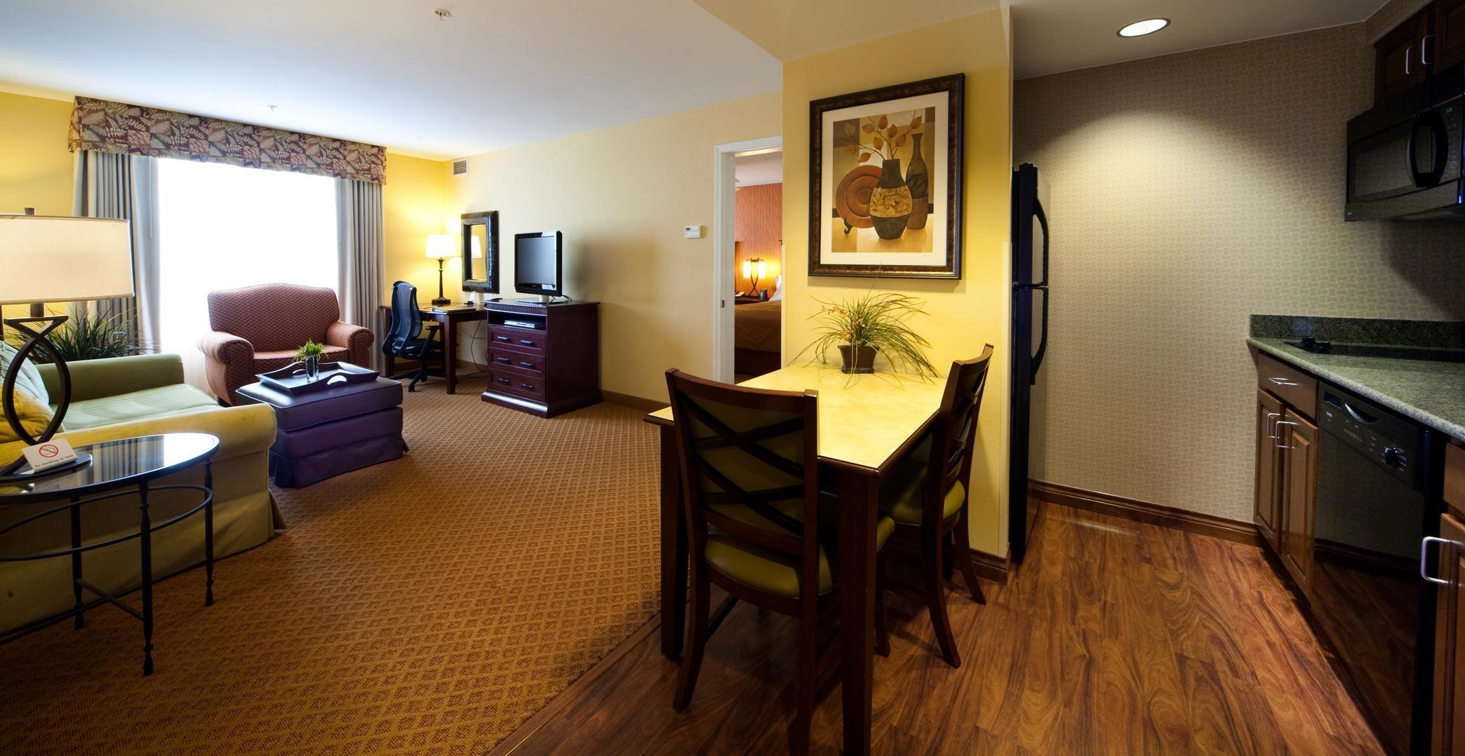 Homewood Suites by Hilton Denver International Airport image 10