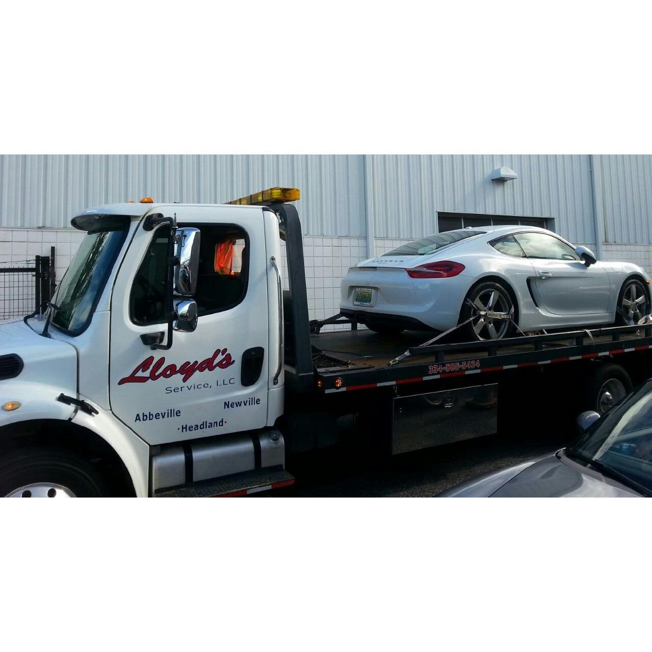 Lloyd's 24/7 Towing & Recovery image 2