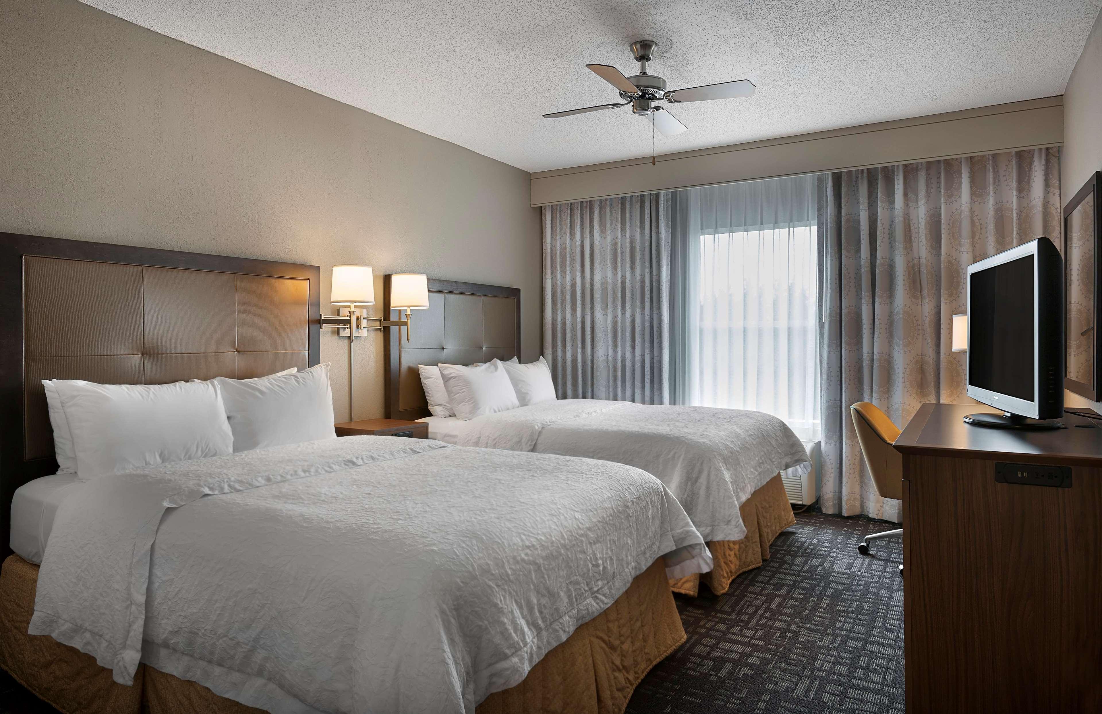 Hampton Inn & Suites Charlotte/Pineville image 11