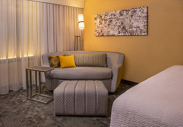 Courtyard by Marriott Rockford image 9