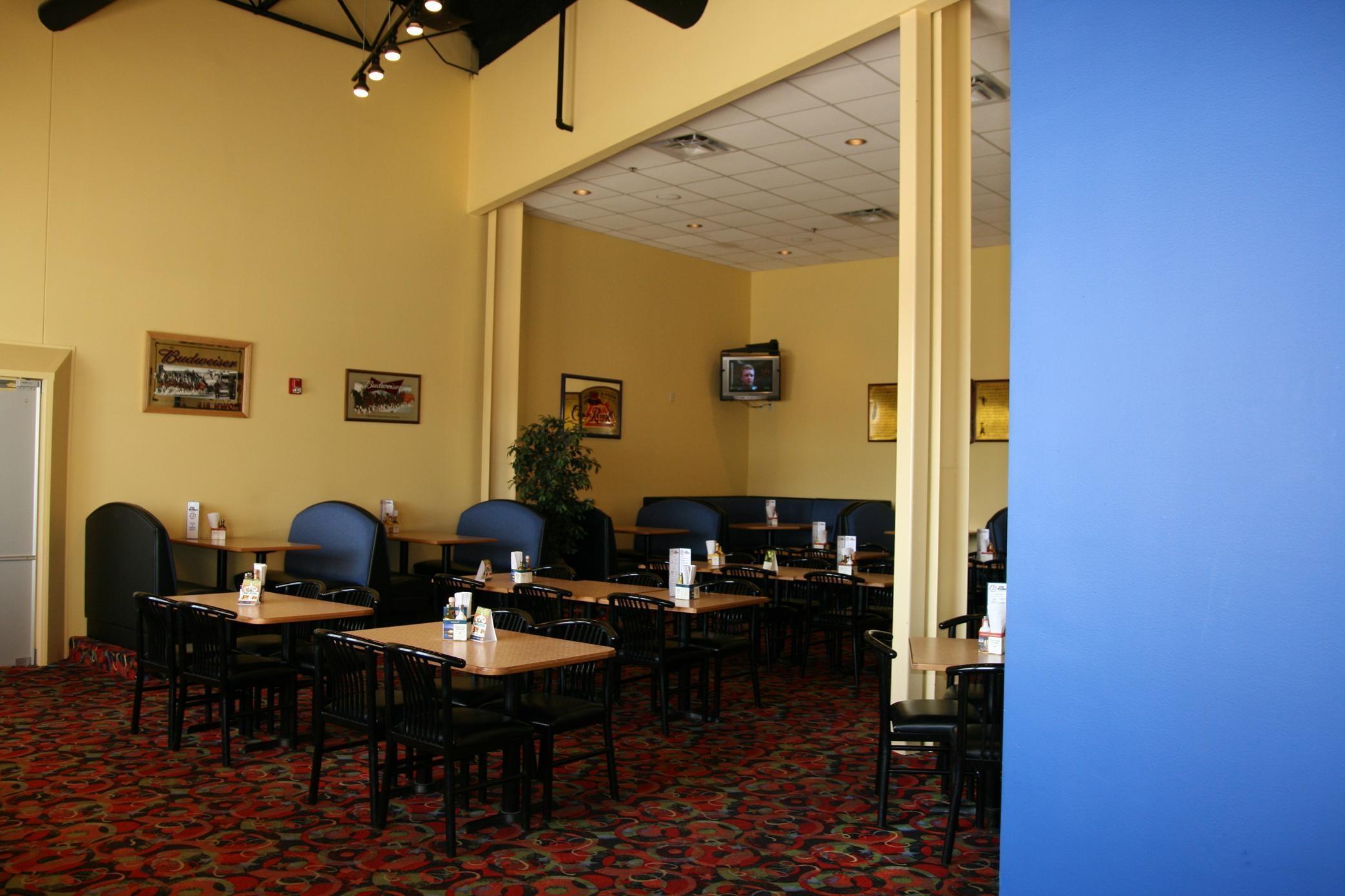 Hampton Inn & Suites Alexandria image 7