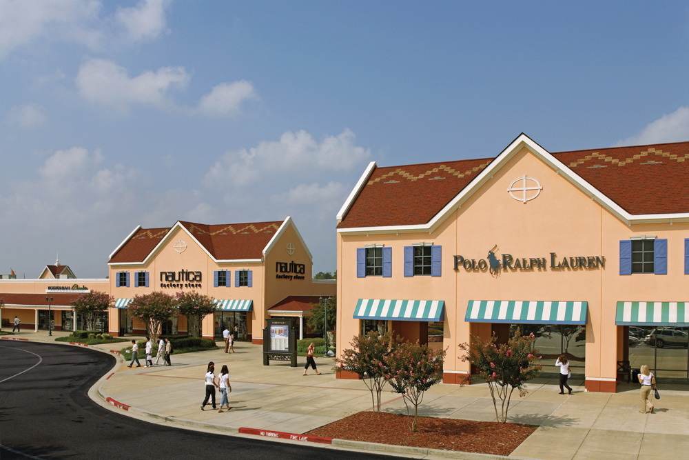 Sep 30,  · North Georgia Premium Outlets is more than just a great collection of the finest designer labels and brands, it's the Atlanta area's only upscale outlet center. Include a shopping stop during your next trip to the area/5().