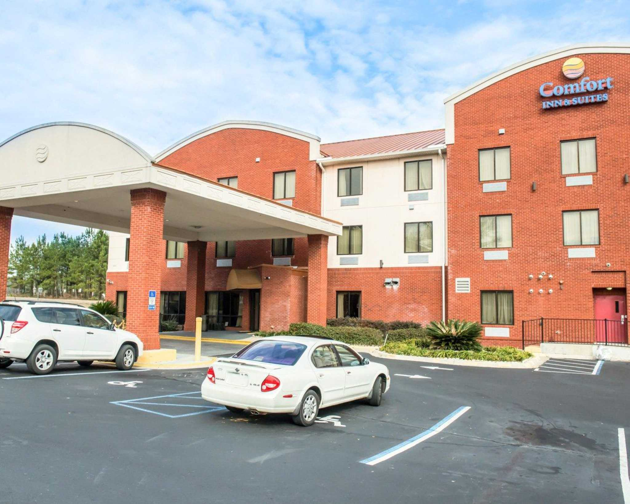 Comfort Inn & Suites Midway - Tallahassee West image 3