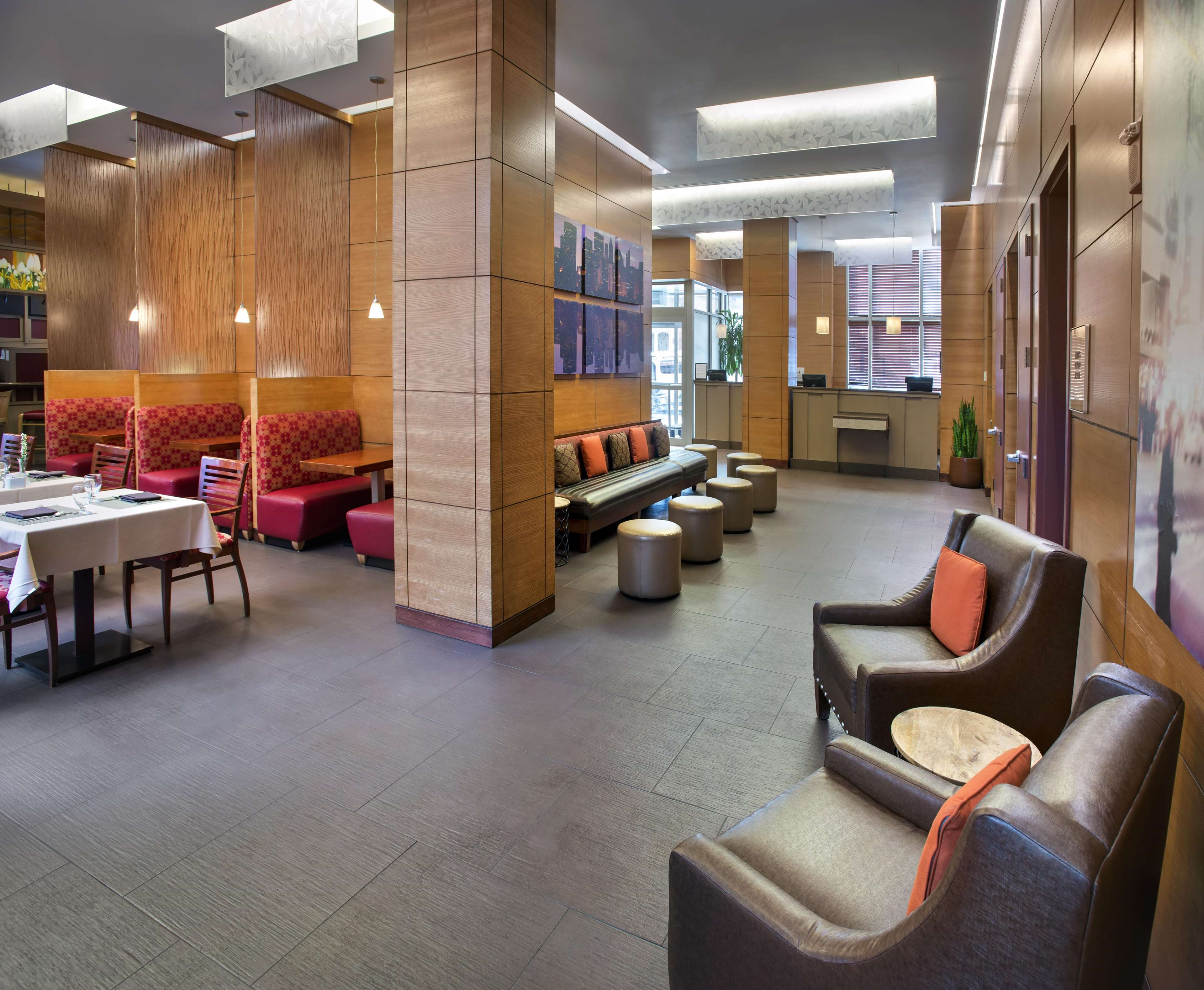 DoubleTree by Hilton Hotel New York - Times Square South image 3