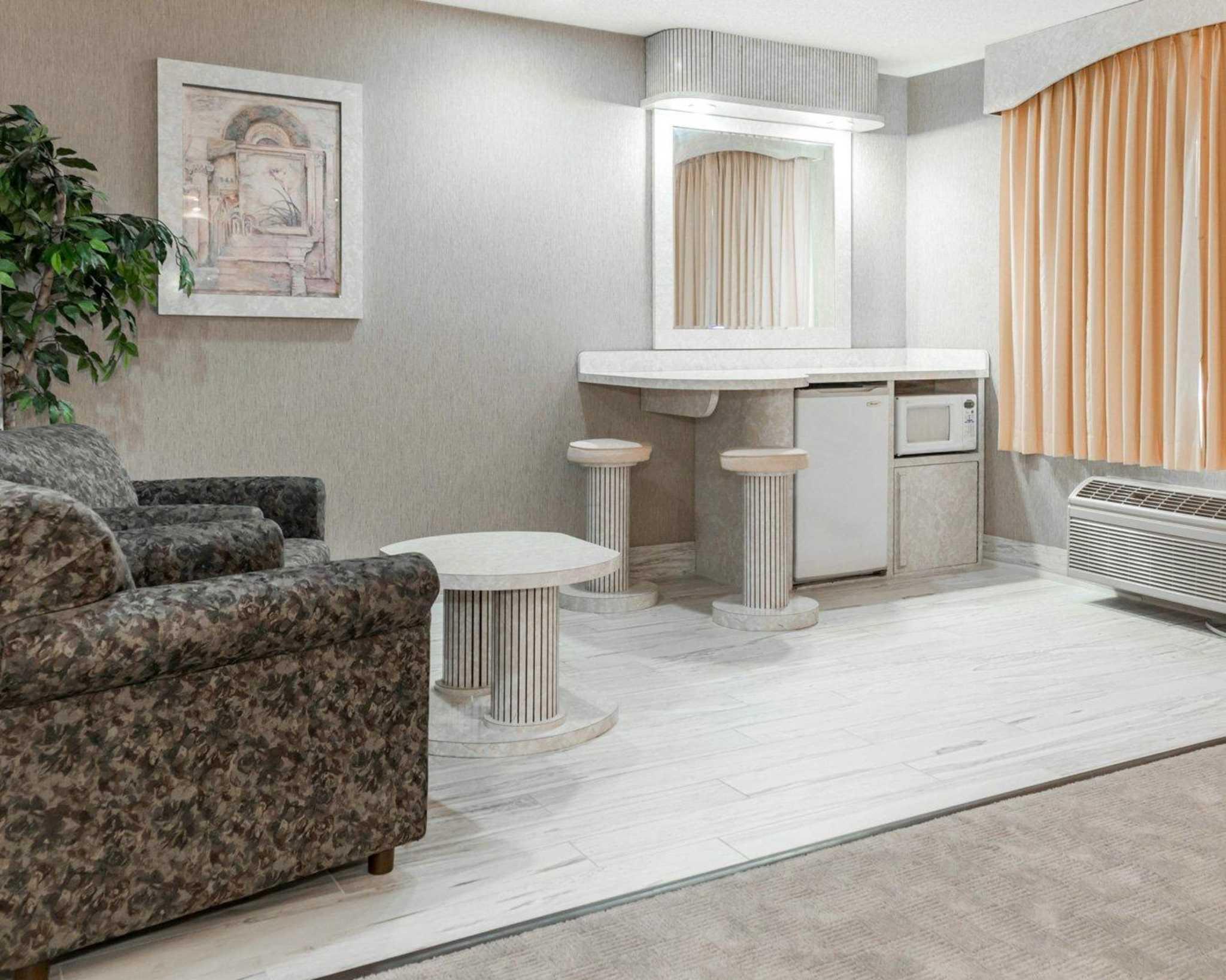 Comfort Suites North in Elkhart, IN, photo #32