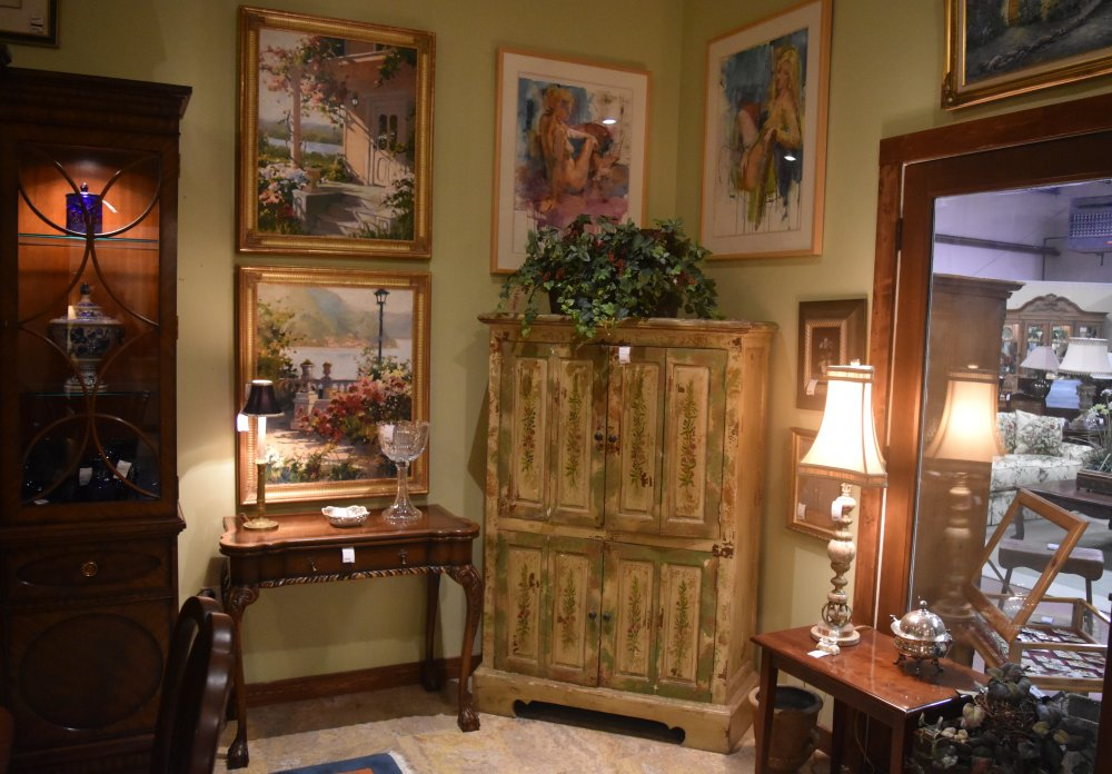 The Consignment Cottage Warehouse In Newland Nc 828 733