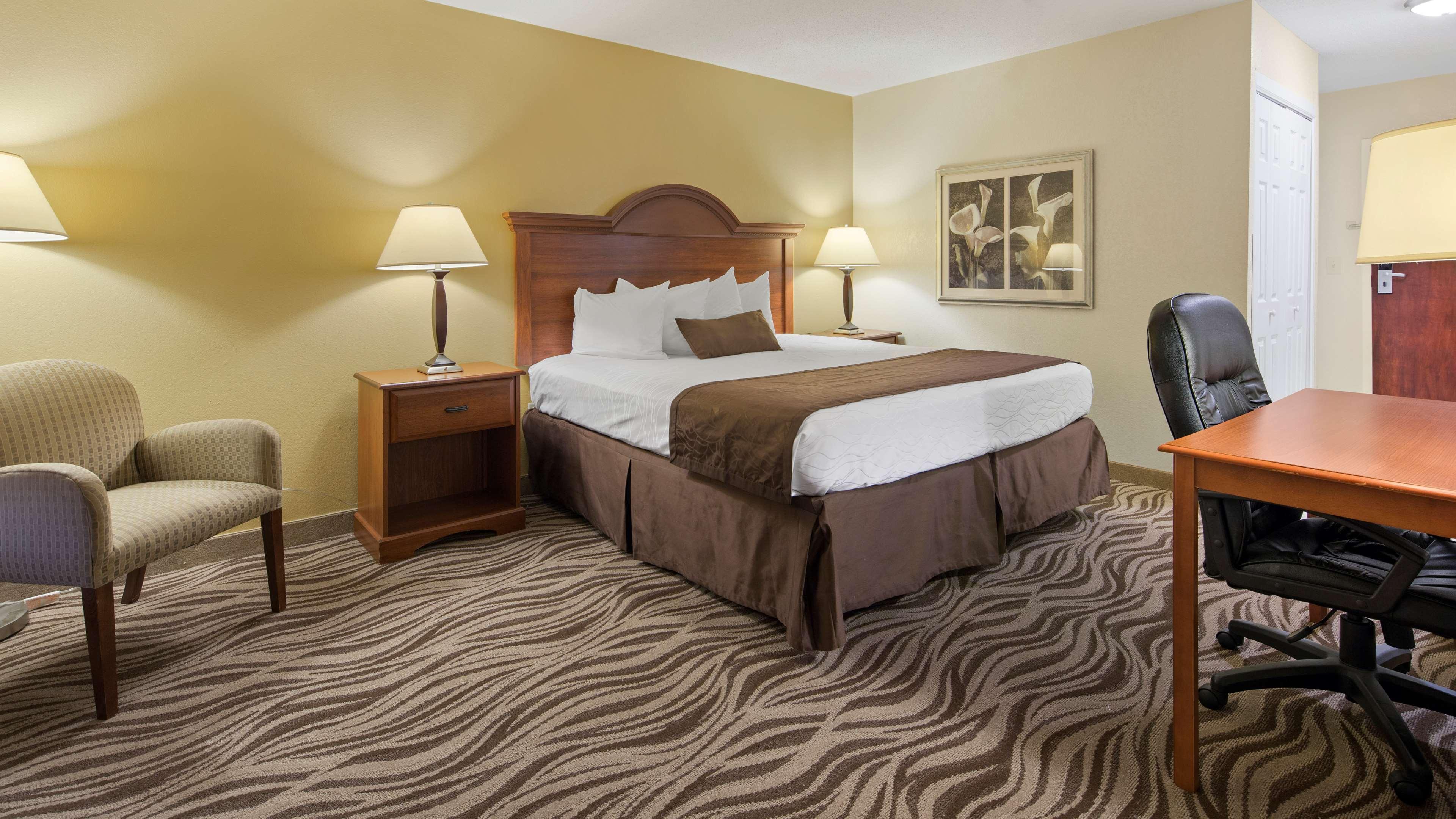 Best Western Plus Oak Mountain Inn image 8