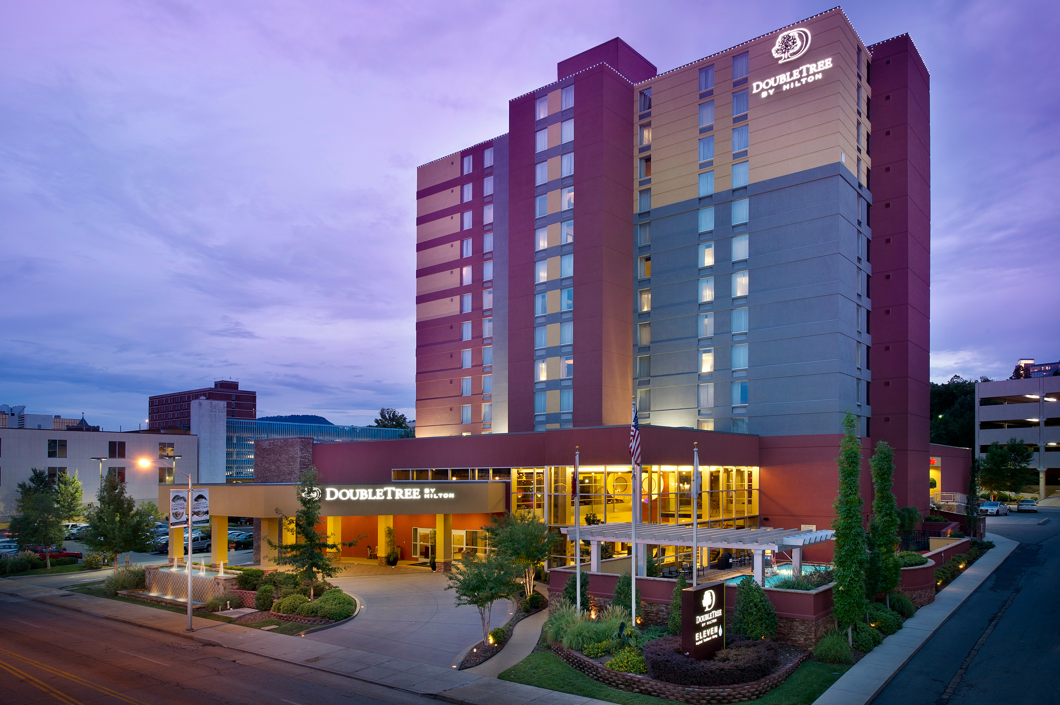 Doubletree By Hilton Hotel Chattanooga Downtown At 407 Chestnut Street Chattanooga Tn On Fave