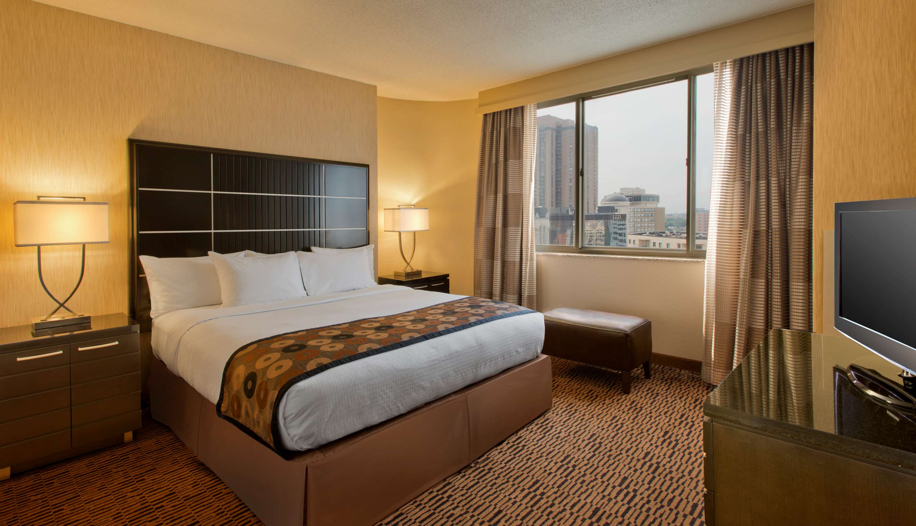 DoubleTree Suites by Hilton Hotel Minneapolis image 14