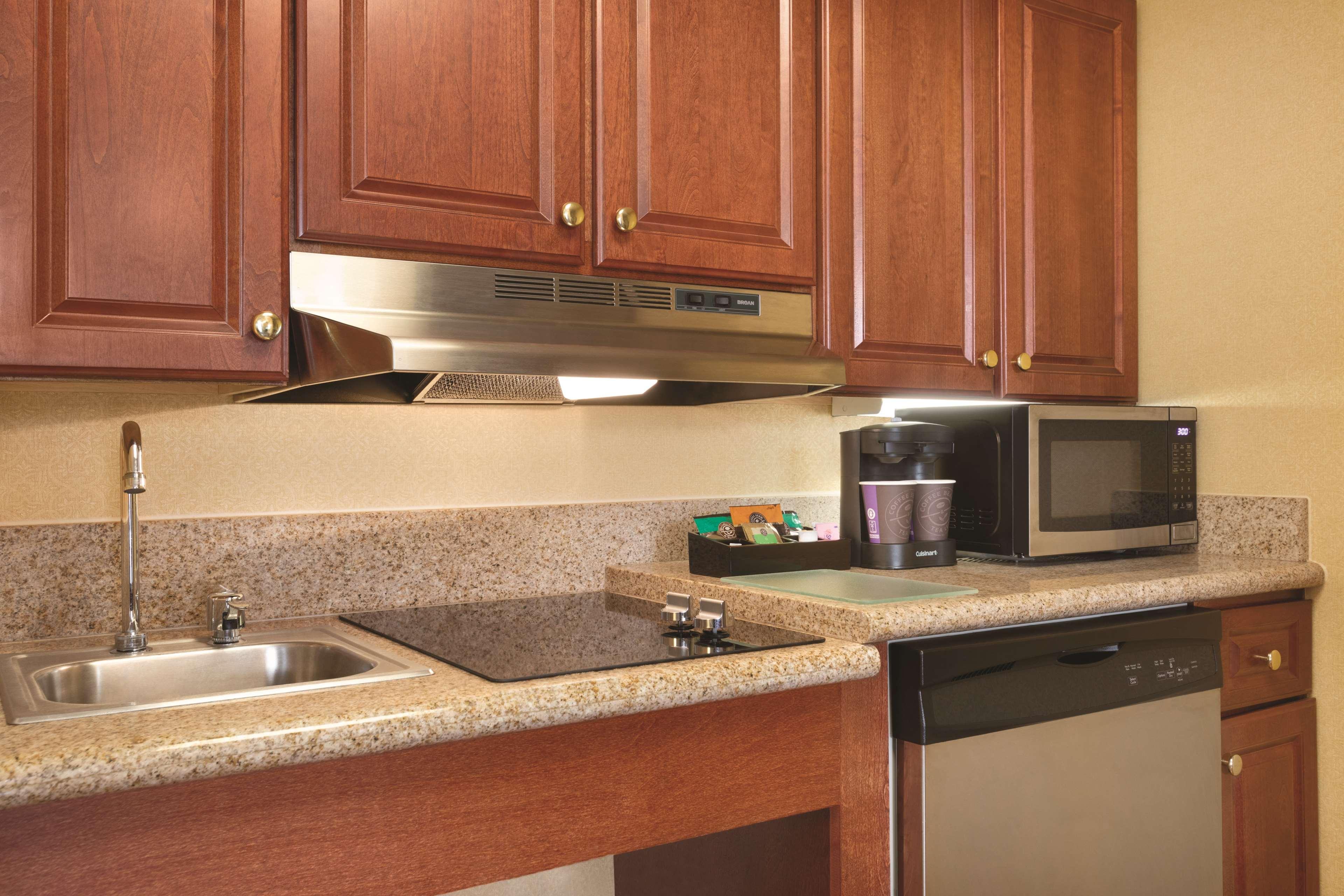 Homewood Suites by Hilton Detroit-Troy image 27