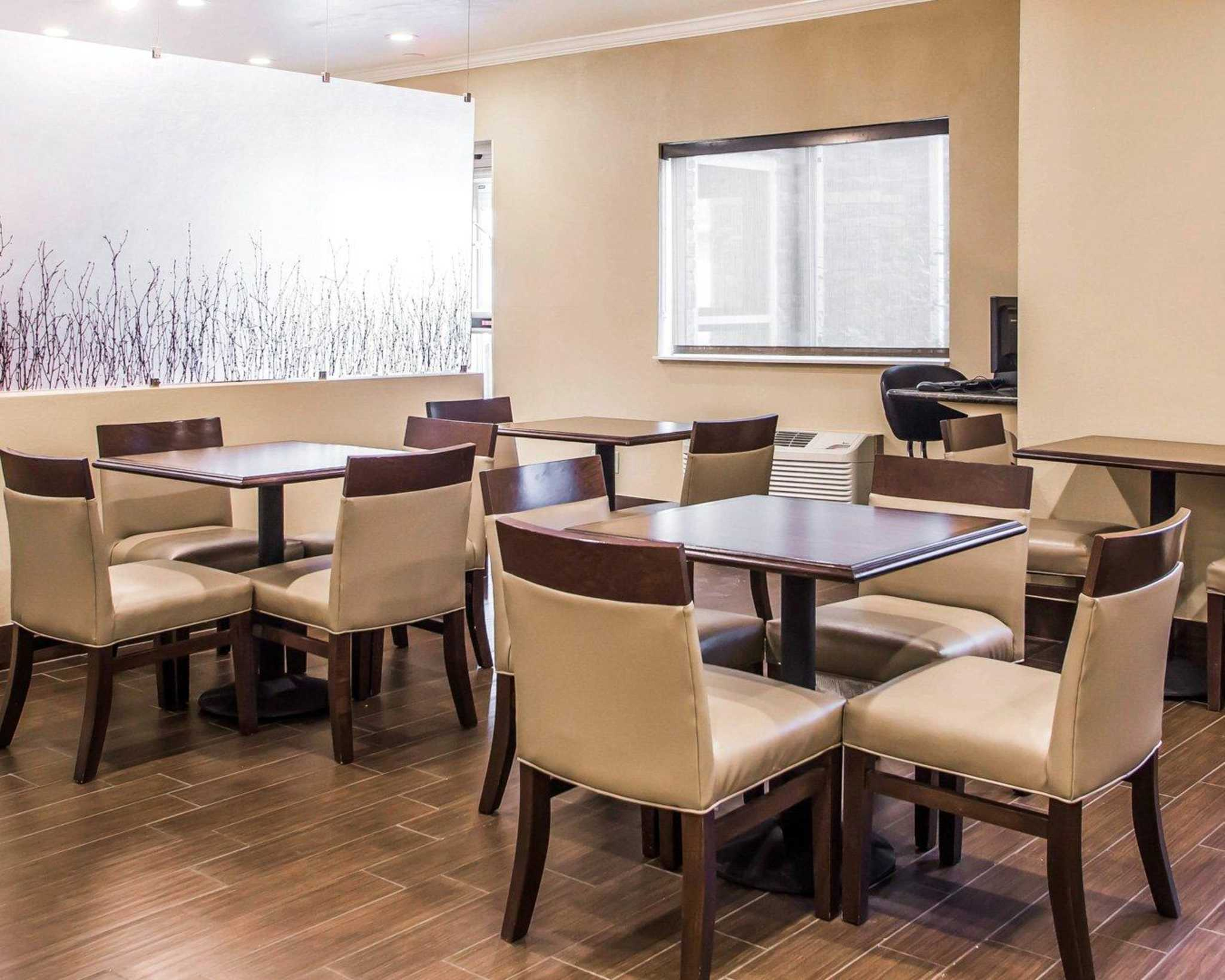 Comfort Inn & Suites Waterloo – Cedar Falls image 19