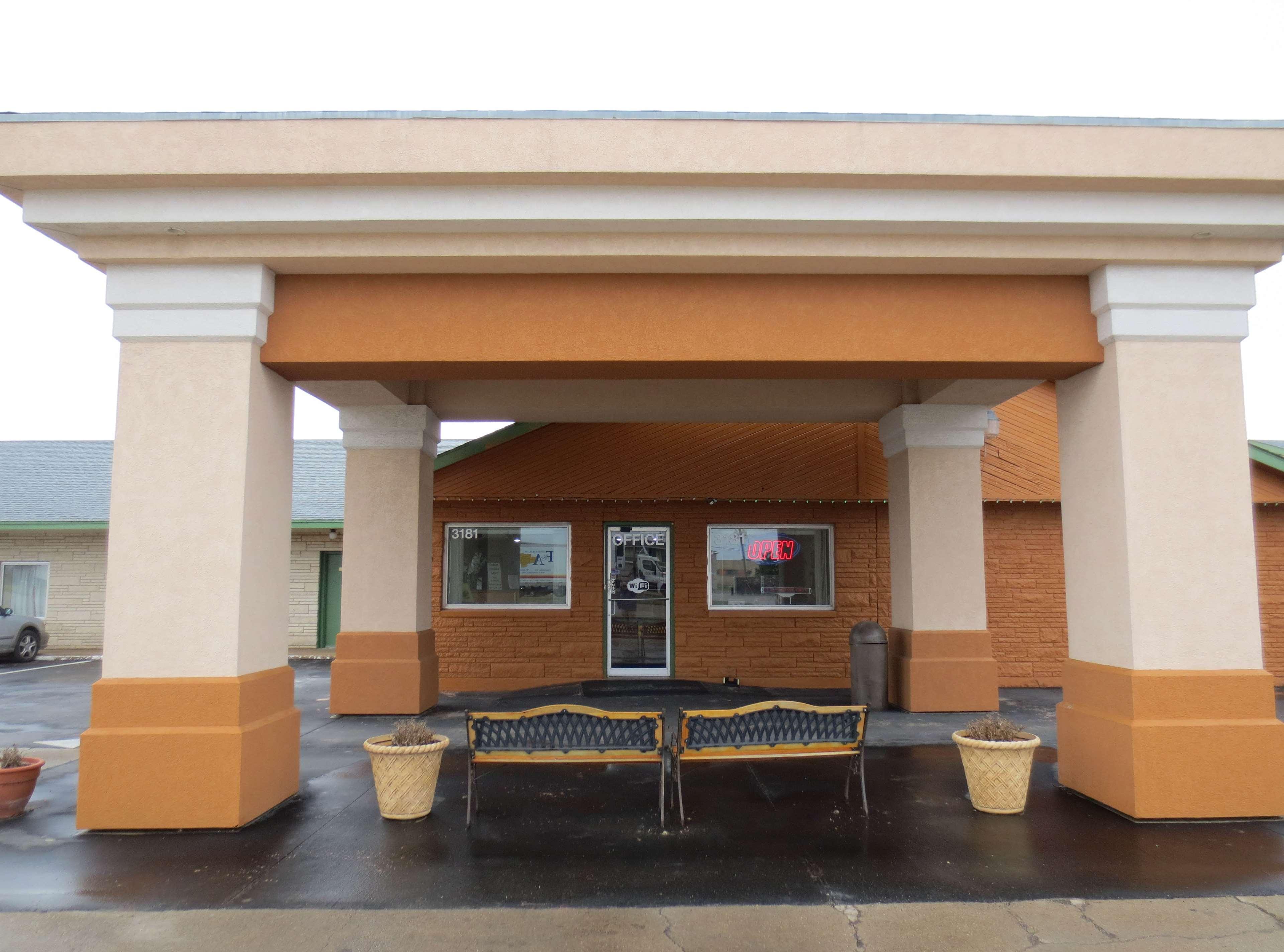 Americas Best Inn And Suites Emporia Americas Best Inn Suites Emporia In Emporia Ks 620 342 7