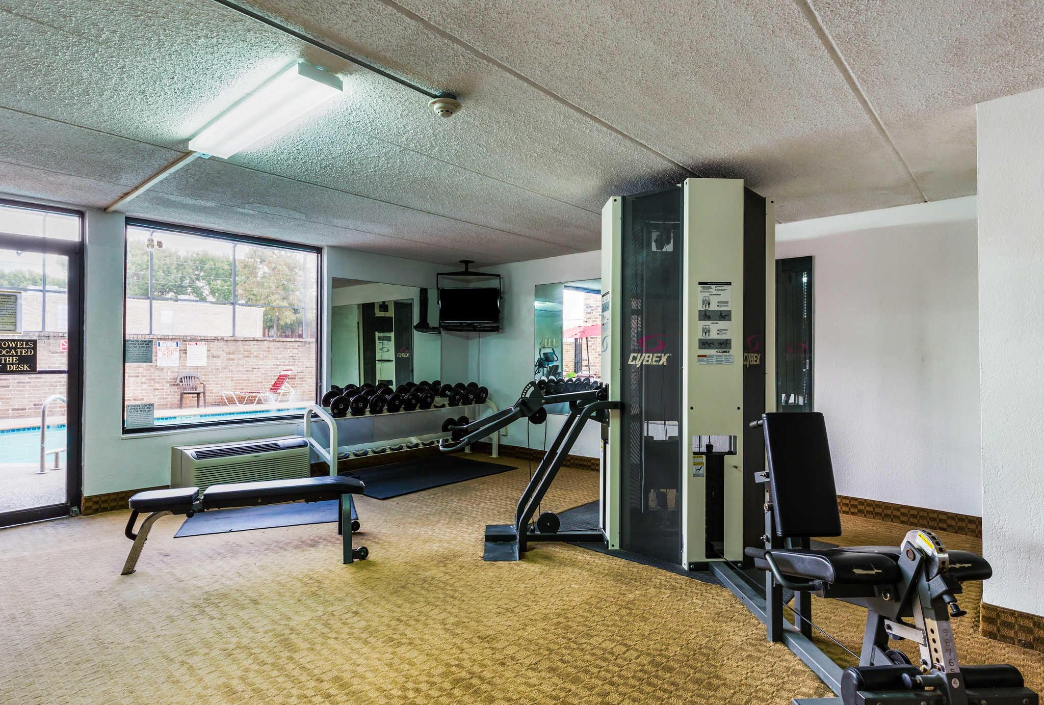 Clarion Inn image 35