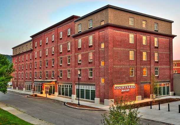 Courtyard by Marriott Keene Downtown image 0