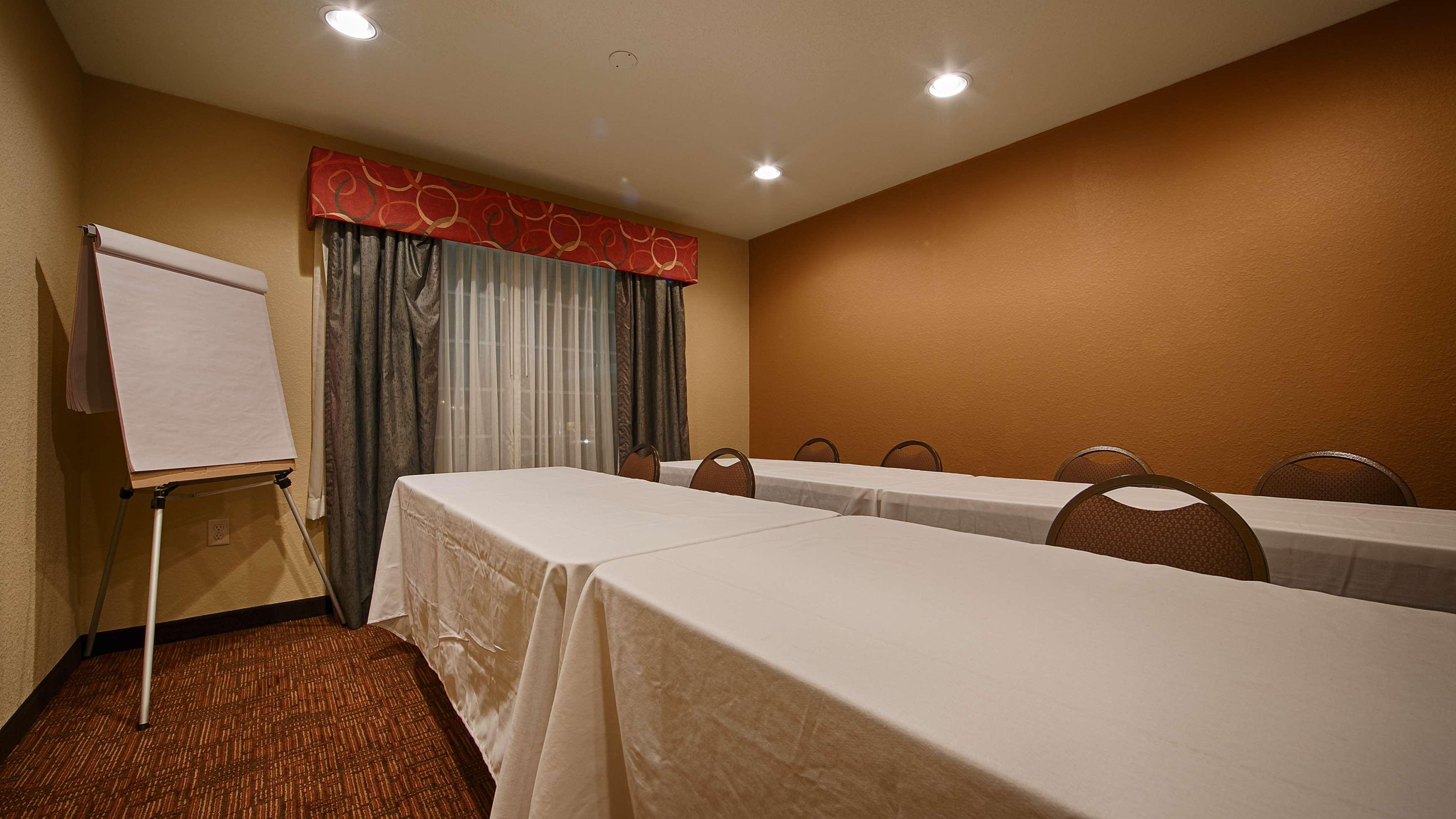 Best Western Plus Fort Wayne Inn & Suites North image 30