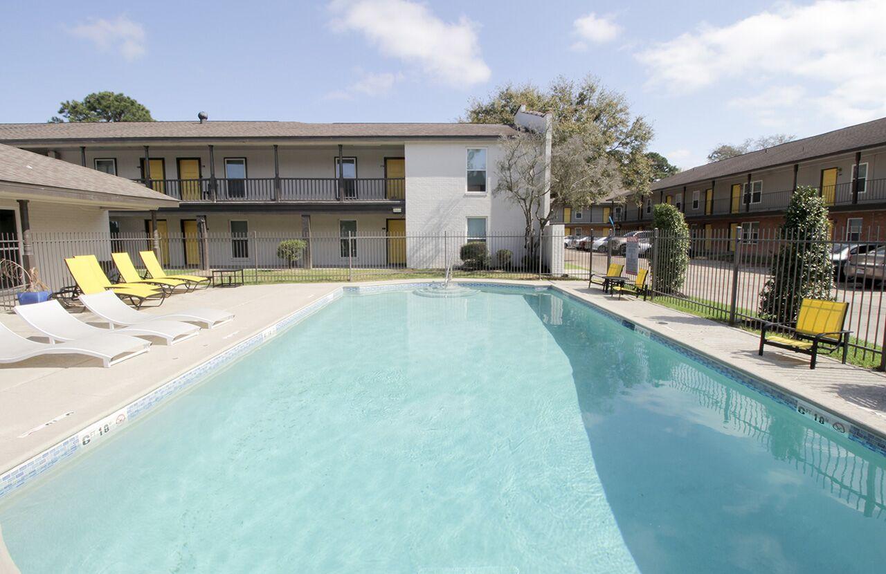 The Hub at Baton Rouge Apartment Homes image 37