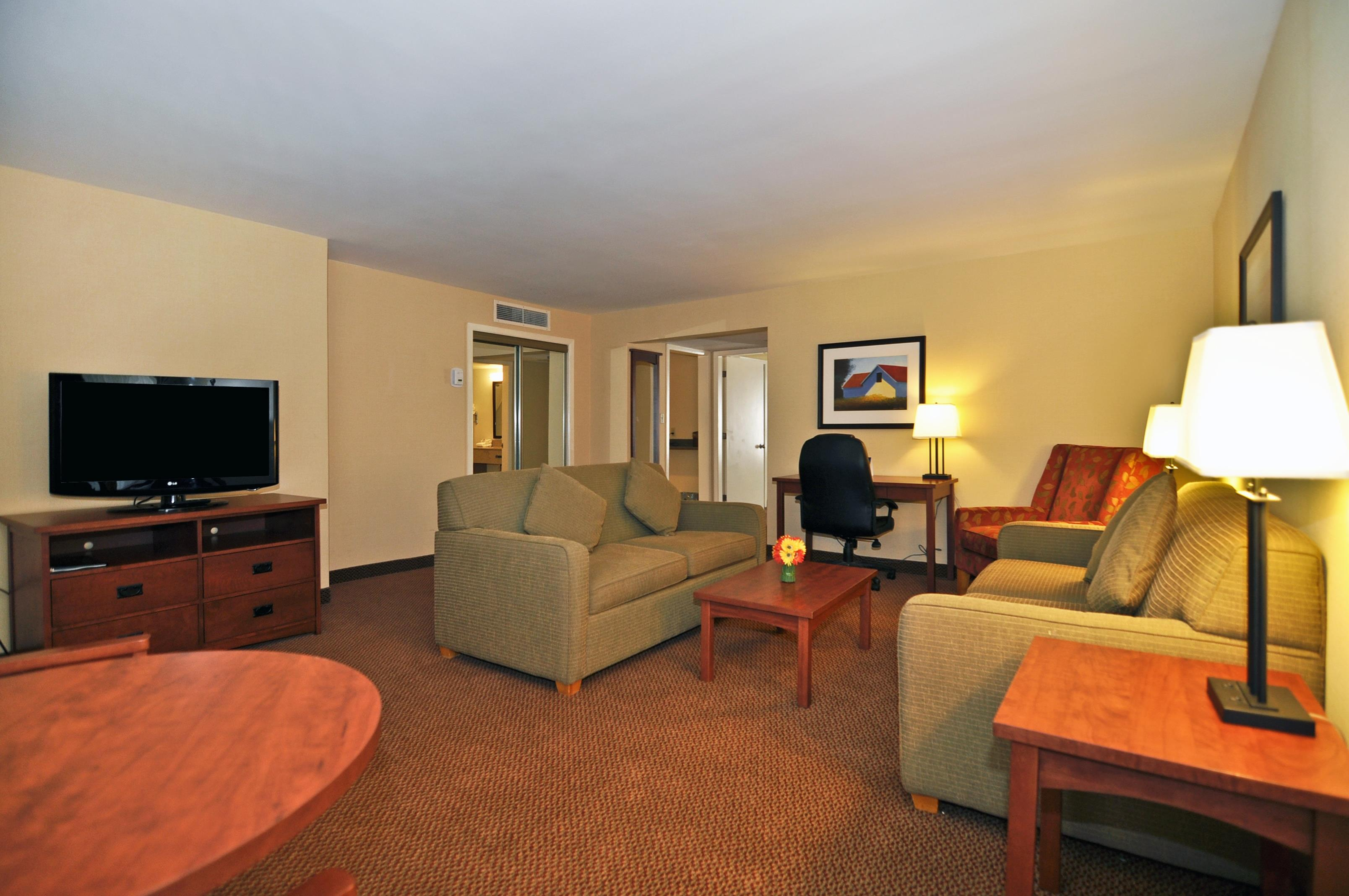 Charlottetown Inn & Conference Centre in Charlottetown: Two Double Bed Family Suite