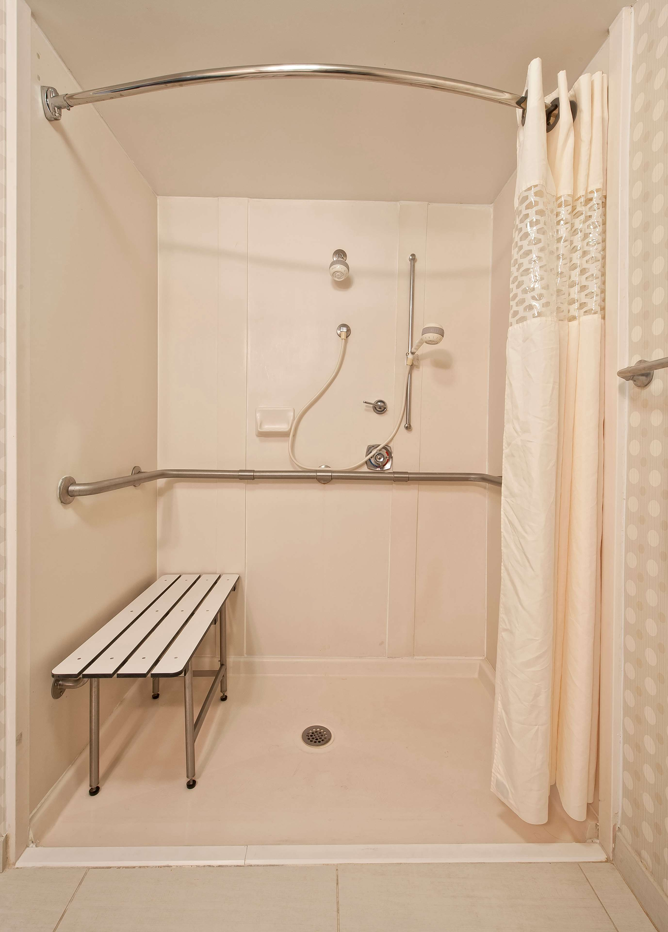Hampton Inn & Suites Wilmington/Wrightsville Beach image 39