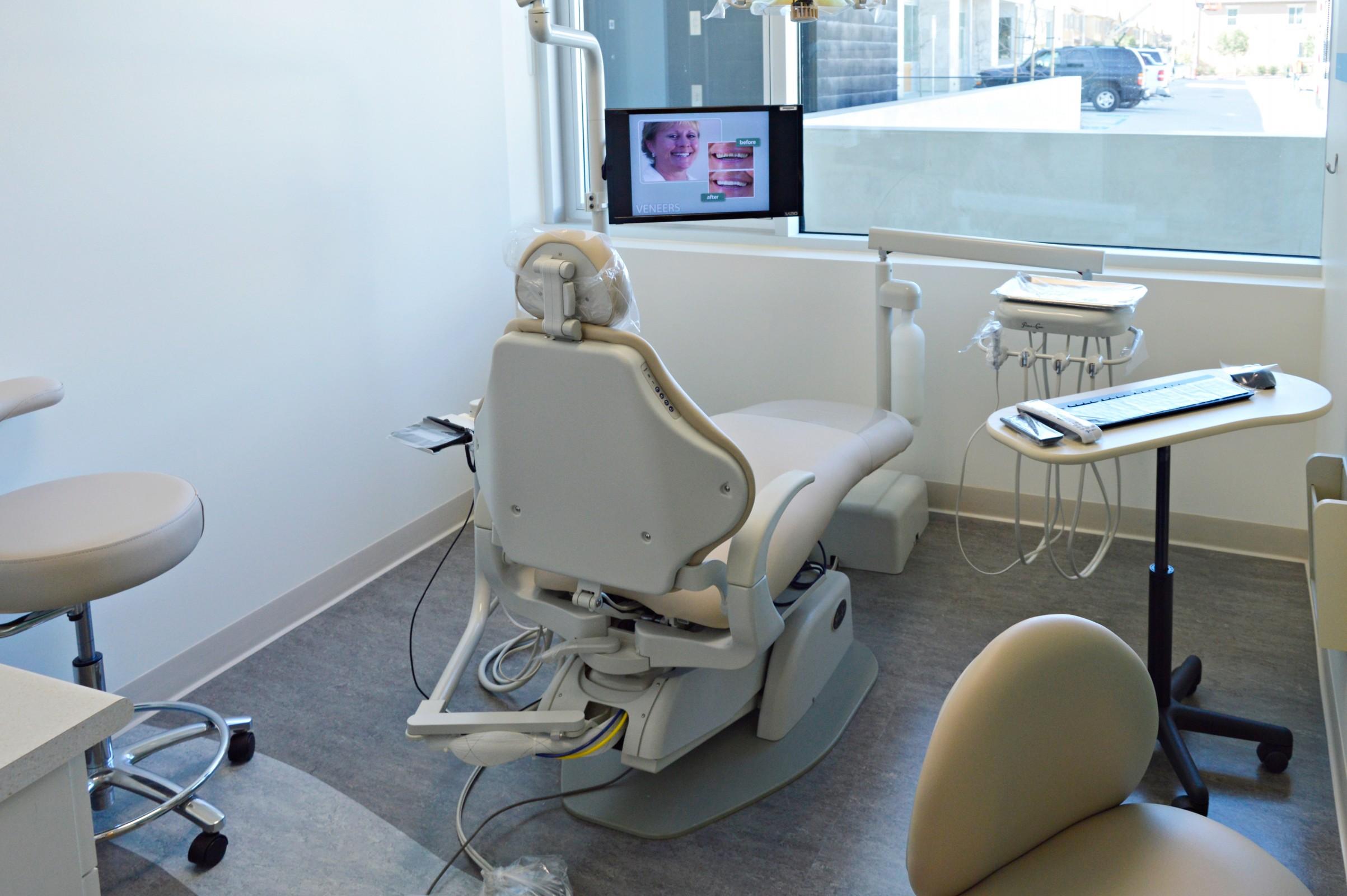Carmel Valley Dentist Office and Orthodontics image 4