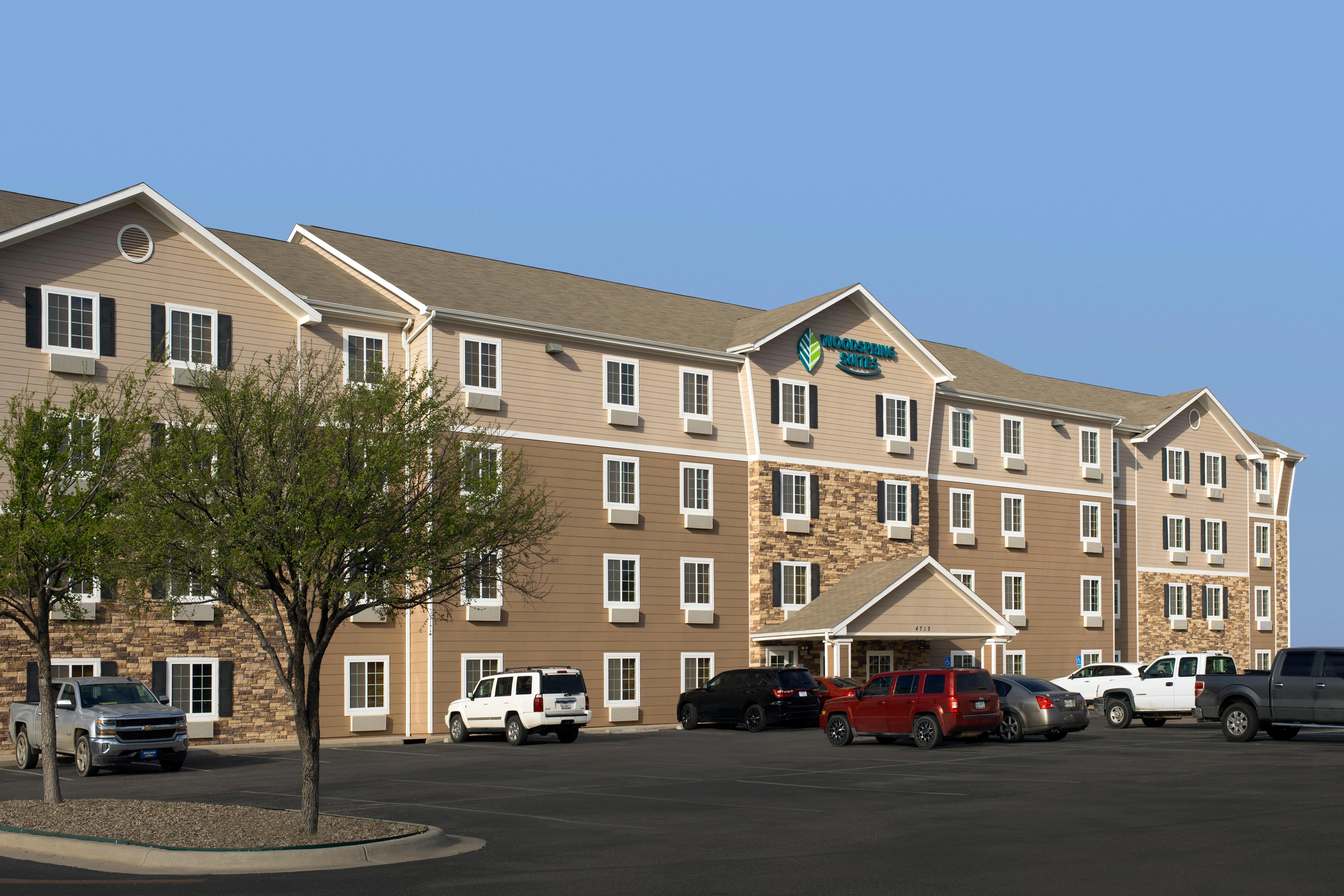 WoodSpring Suites Midland image 2