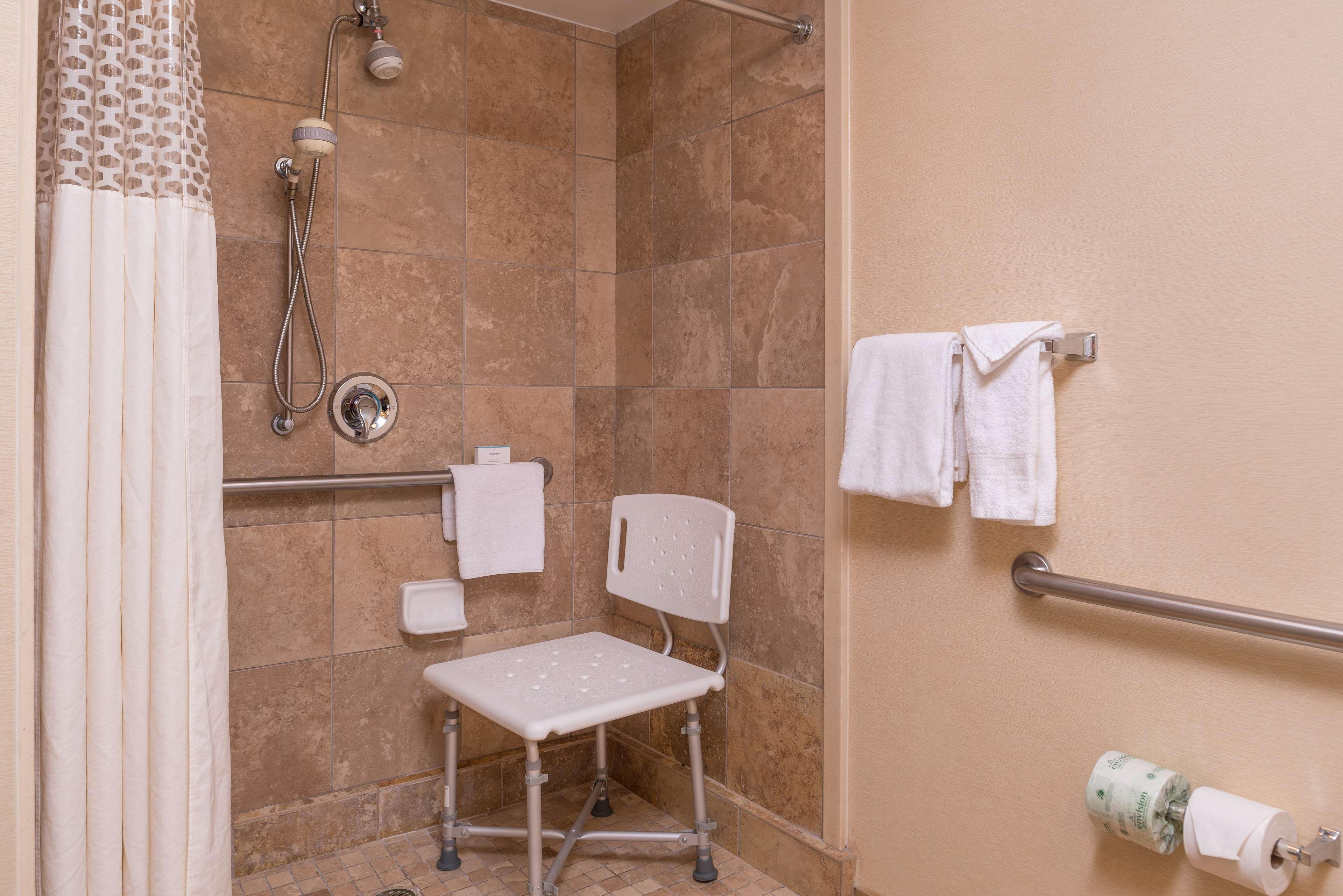 Hampton Inn & Suites Charlotte-Arrowood Rd. image 23