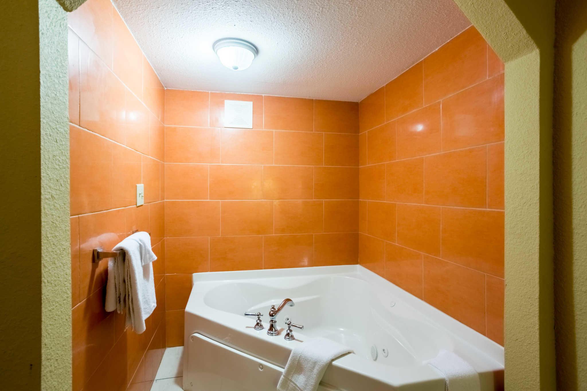 Econo Lodge image 36