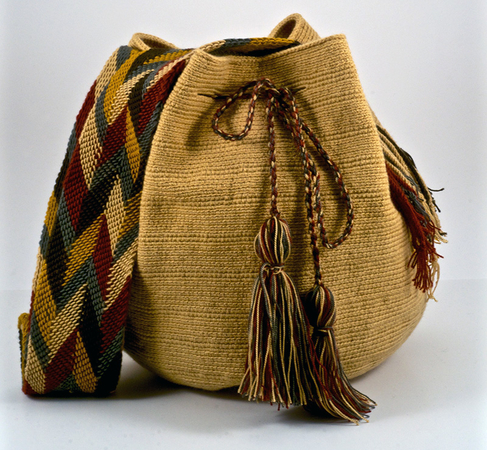 Wayuu Made isn't just a handbag, it's a way of life. The Wayuu people of the Guajira Peninsula in Northeastern Colombia have been making these bags by hand for generations. Each bag is custom made with different patterns and colors.