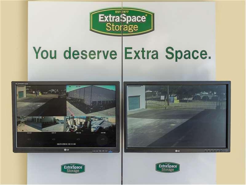 Extra Space Storage image 4