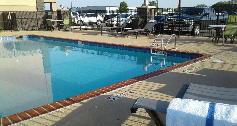 Best Western Plus Jonesboro Inn & Suites image 9