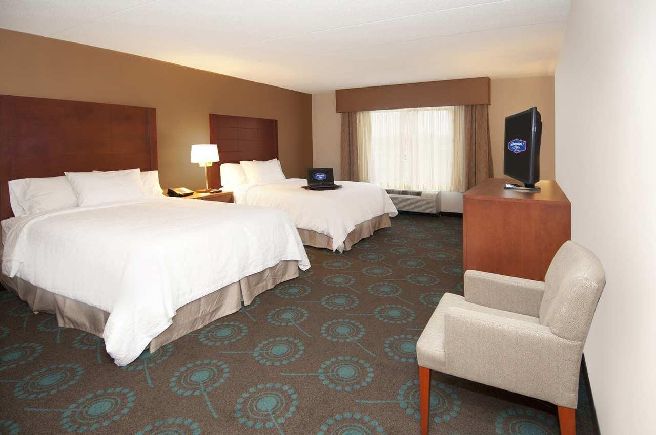 Hampton Inn by Hilton Brampton Toronto à Brampton: Room with 2 Queen Beds