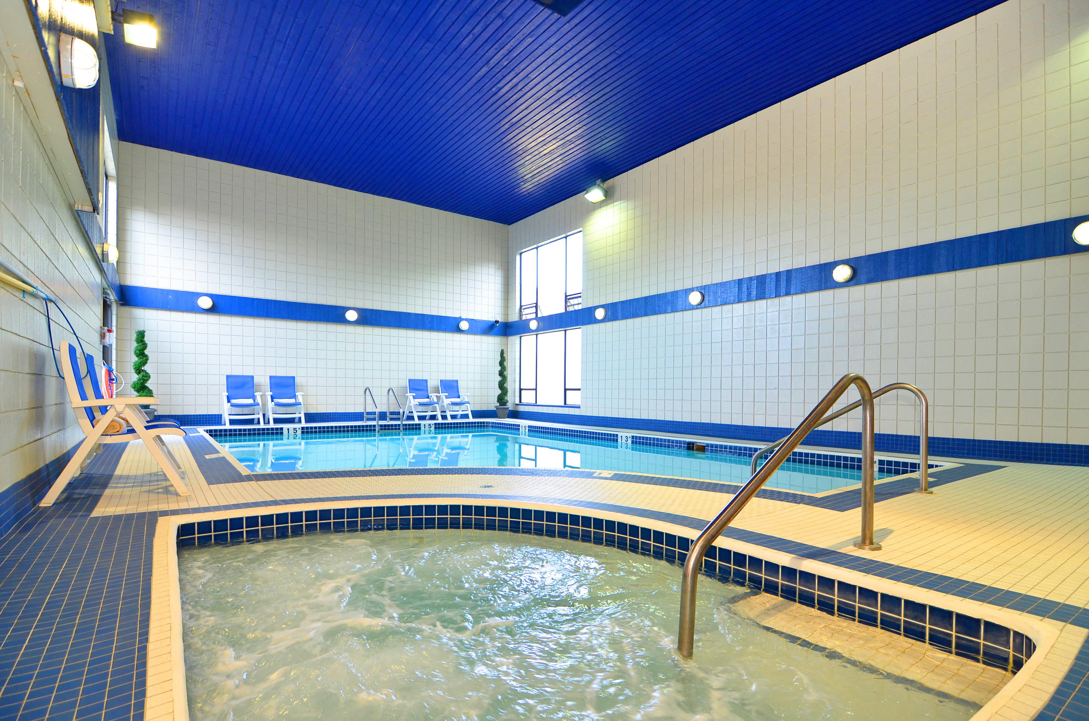 Best Western Plus Regency Inn & Conference Centre in Abbotsford: Indoor Pool and Whirlpool