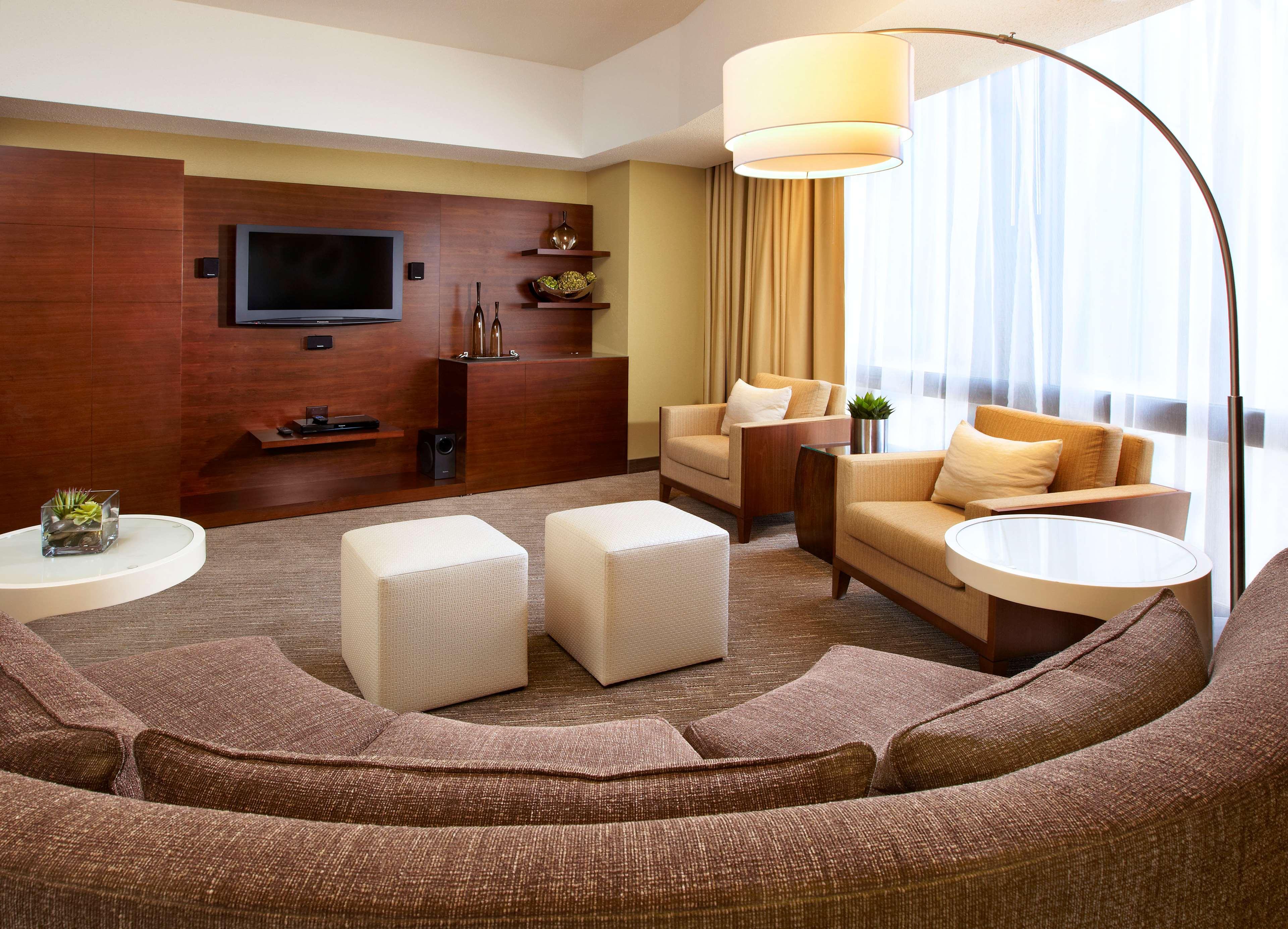 The Westin Bonaventure Hotel & Suites, Los Angeles image 18