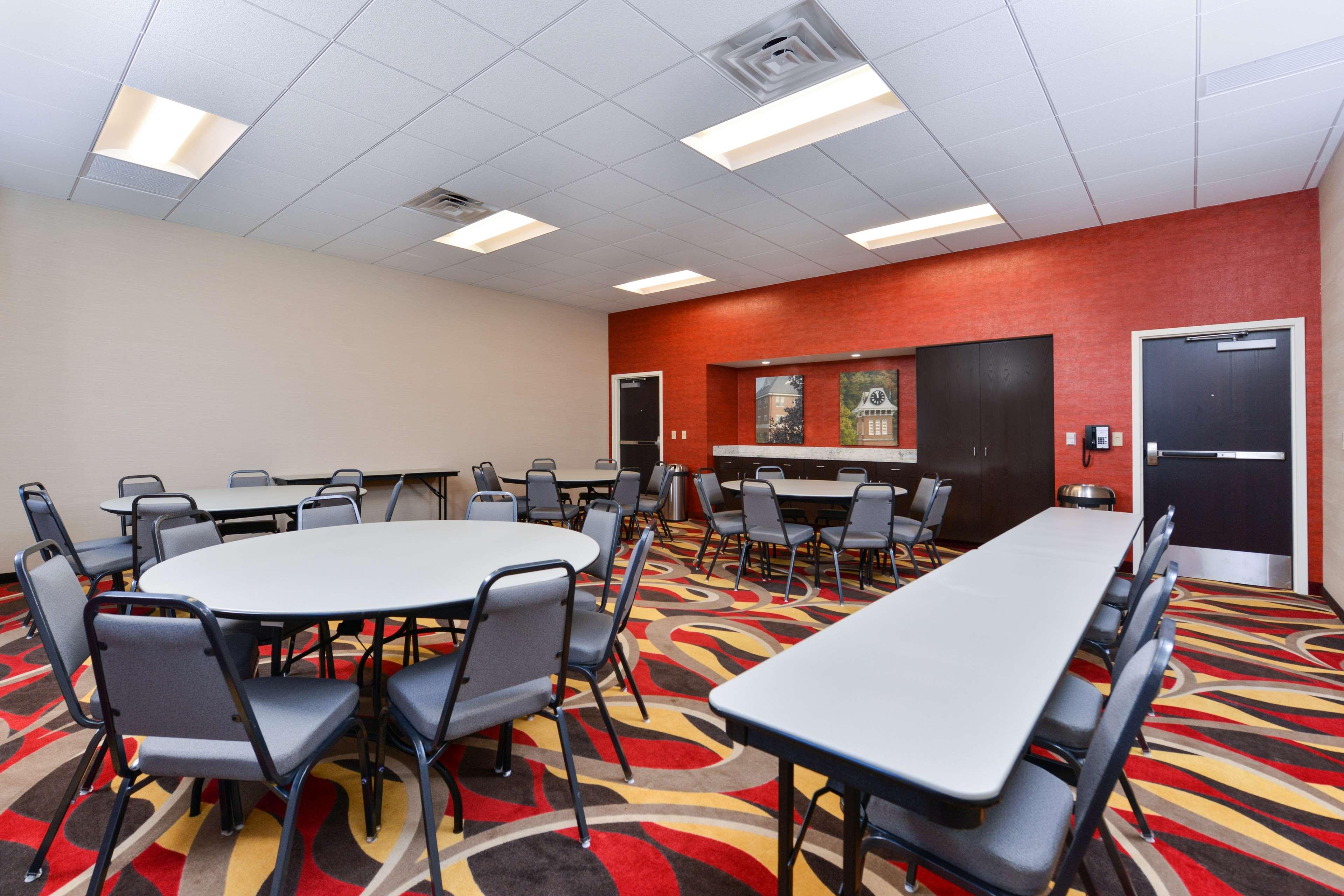 Hampton Inn & Suites California University-Pittsburgh image 30