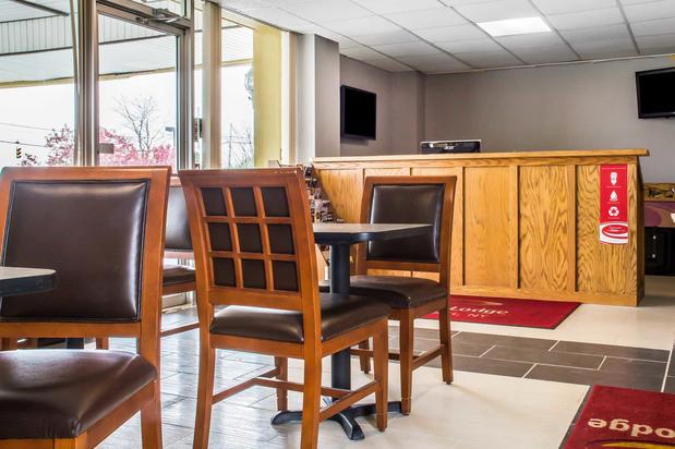 Econo Lodge In Brockport Ny 14420 Citysearch