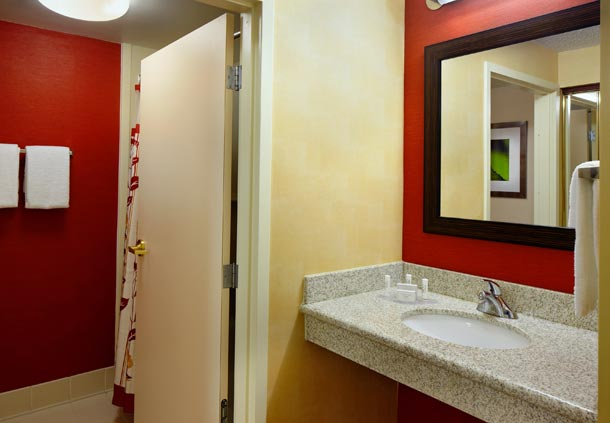 Courtyard by Marriott Cleveland Willoughby image 0