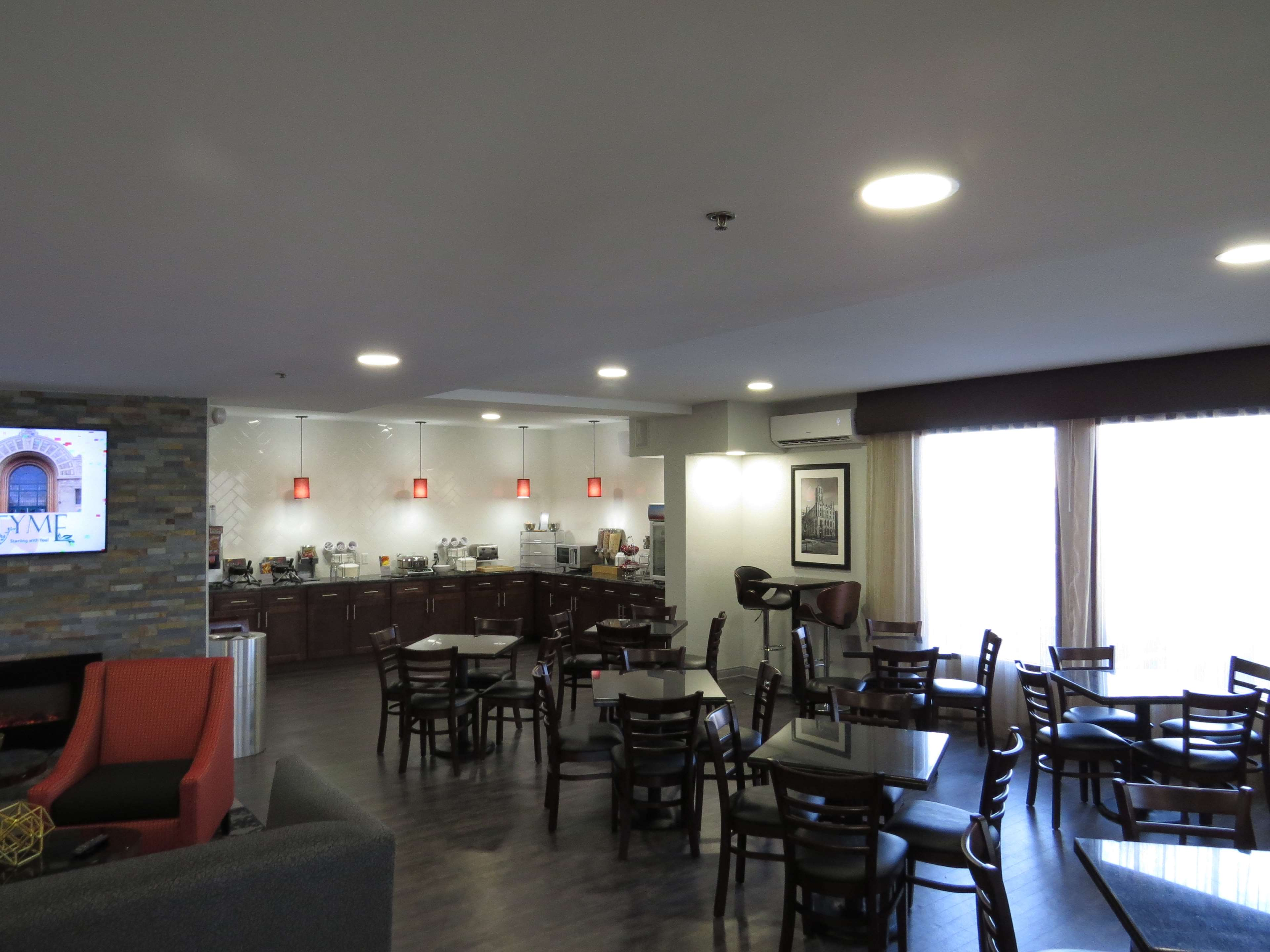Best Western Plus East Syracuse Inn image 6