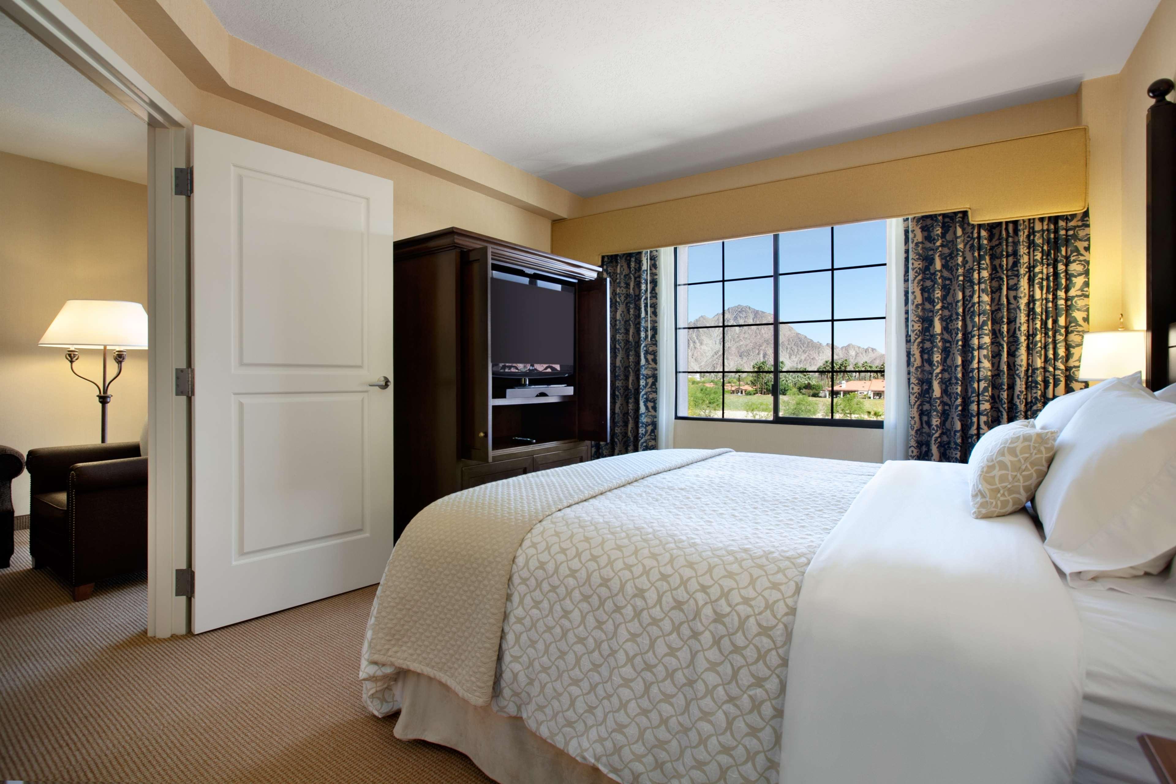 Embassy Suites by Hilton La Quinta Hotel & Spa image 25