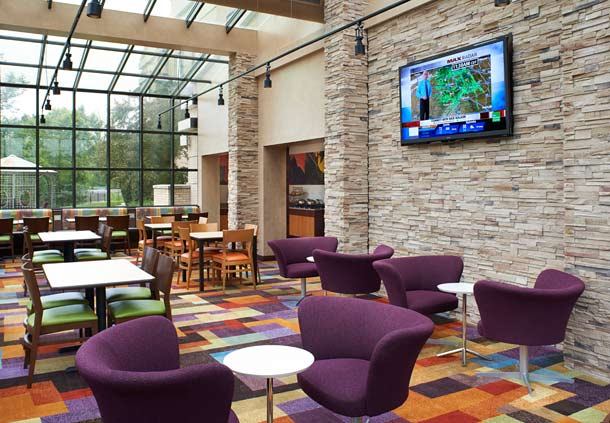Fairfield Inn & Suites by Marriott Indianapolis East image 2