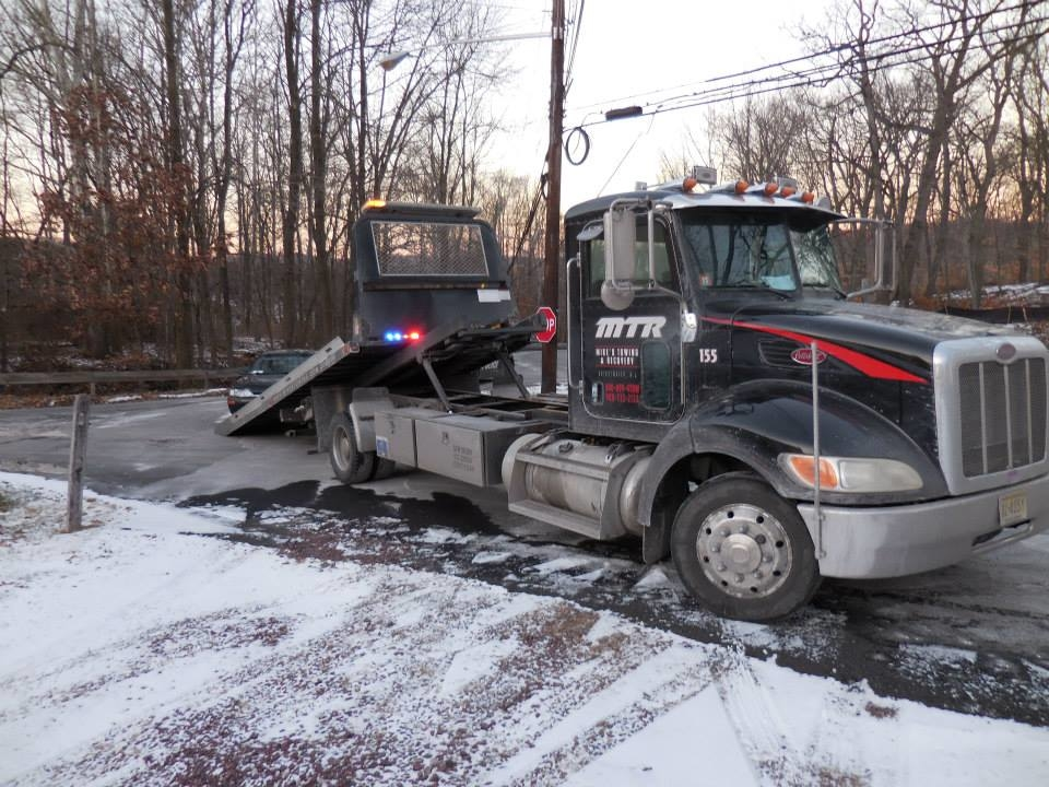 Mike's Towing & Recovery image 25