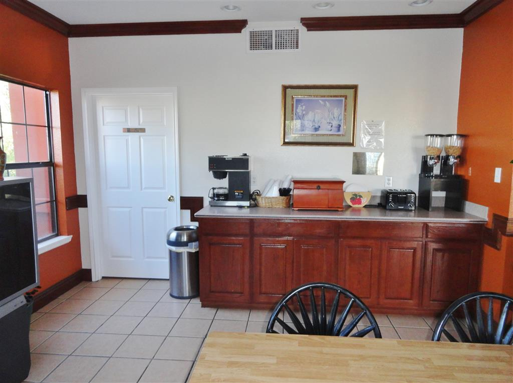 Americas Best Value Inn - Brownsville / Padre Island Hwy image 17