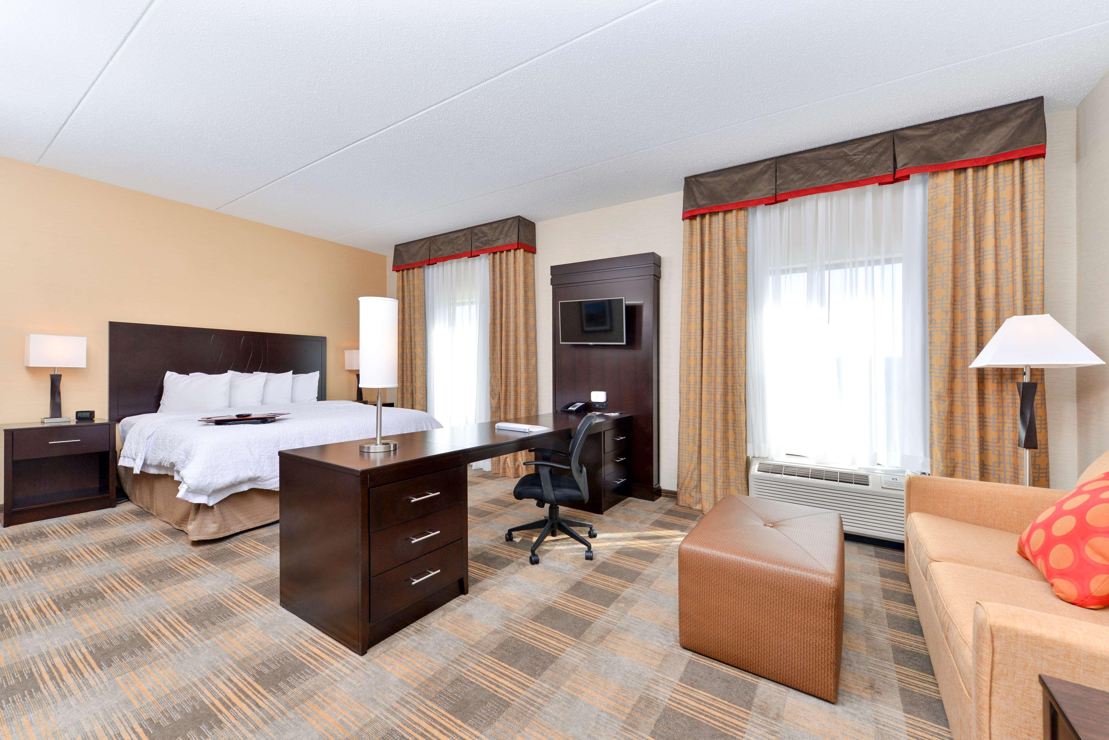 Hampton Inn & Suites California University-Pittsburgh image 19