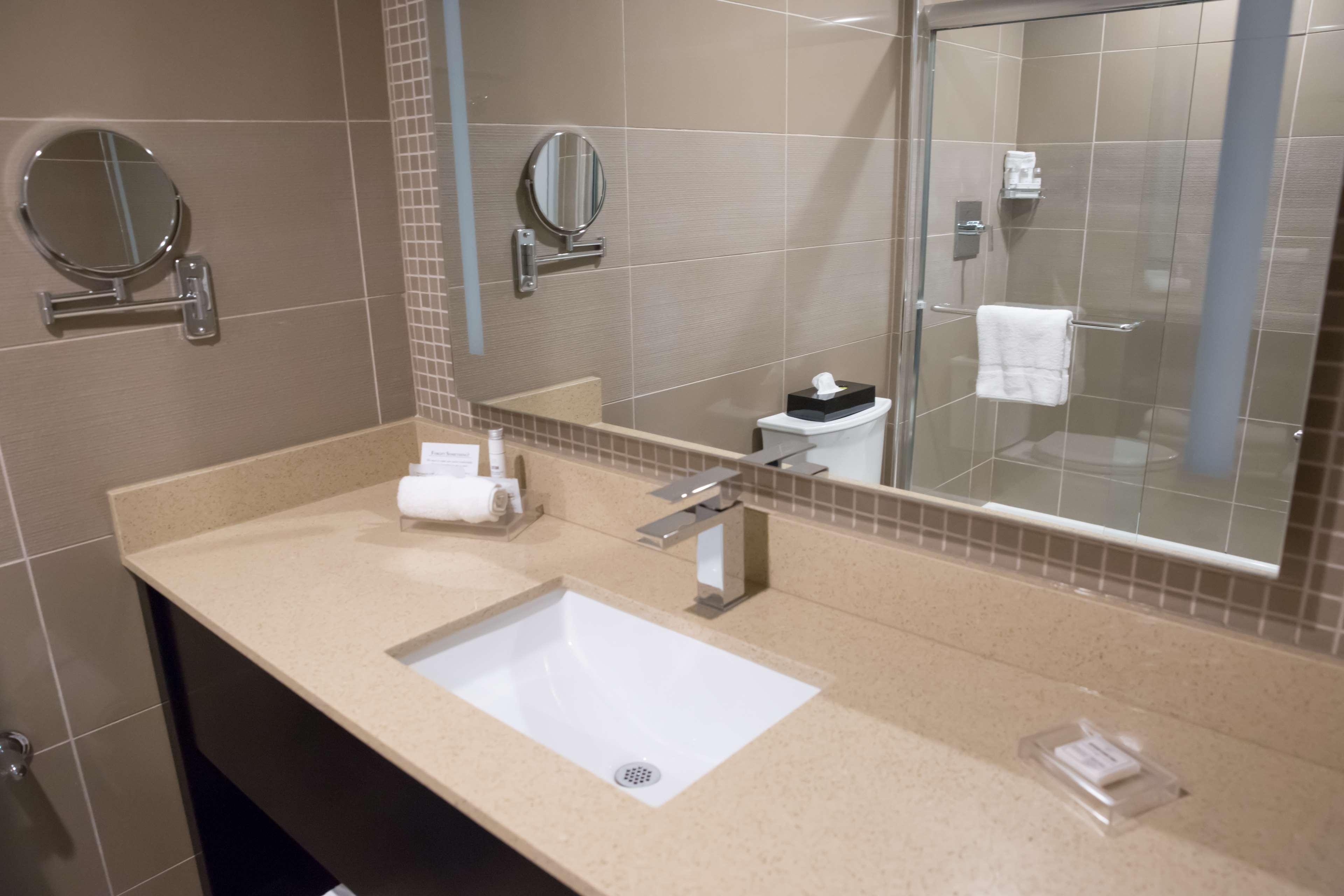 Best Western Premier NYC Gateway Hotel image 27