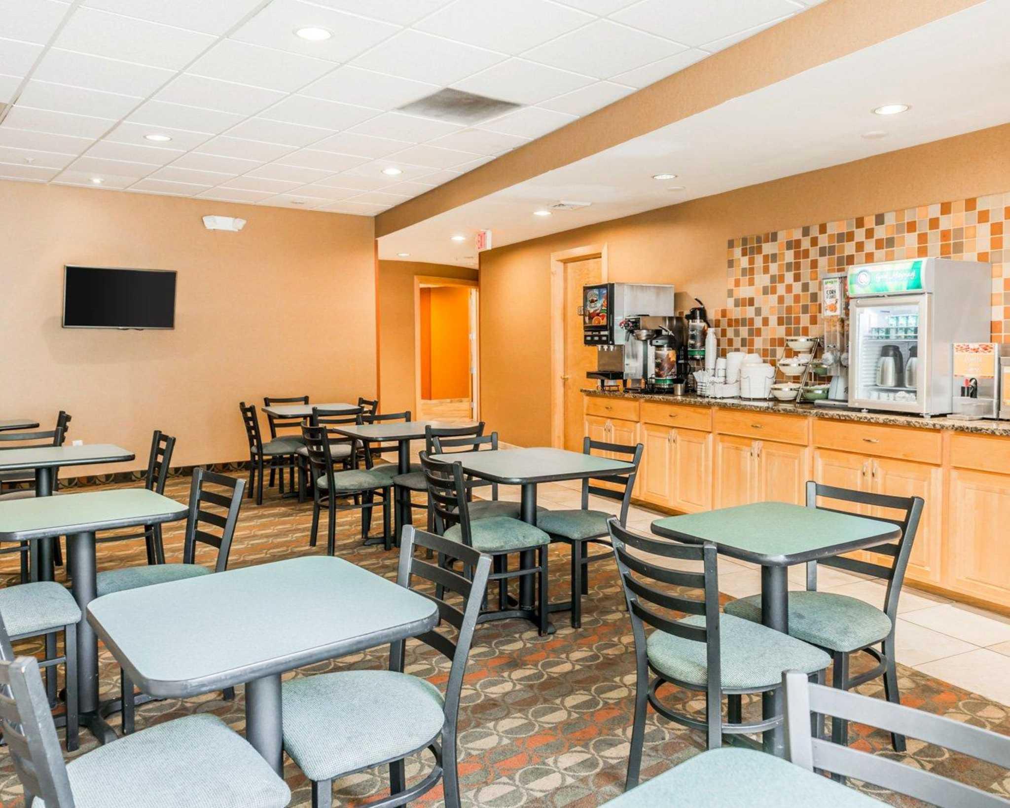 Quality Inn East image 23
