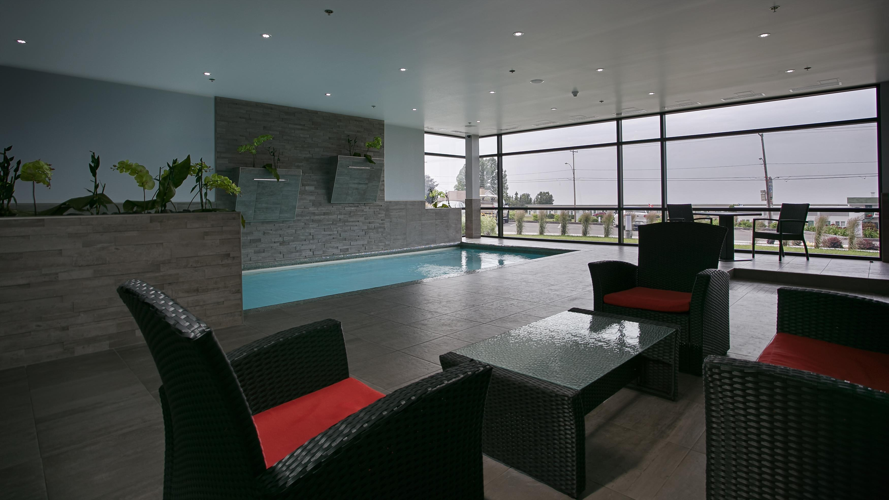 Best Western Plus Hotel Levesque à Riviere-du-Loup: Indoor Pool