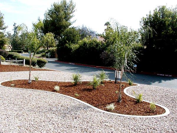 Curbscape Custom Concrete Landscape Borders image 1