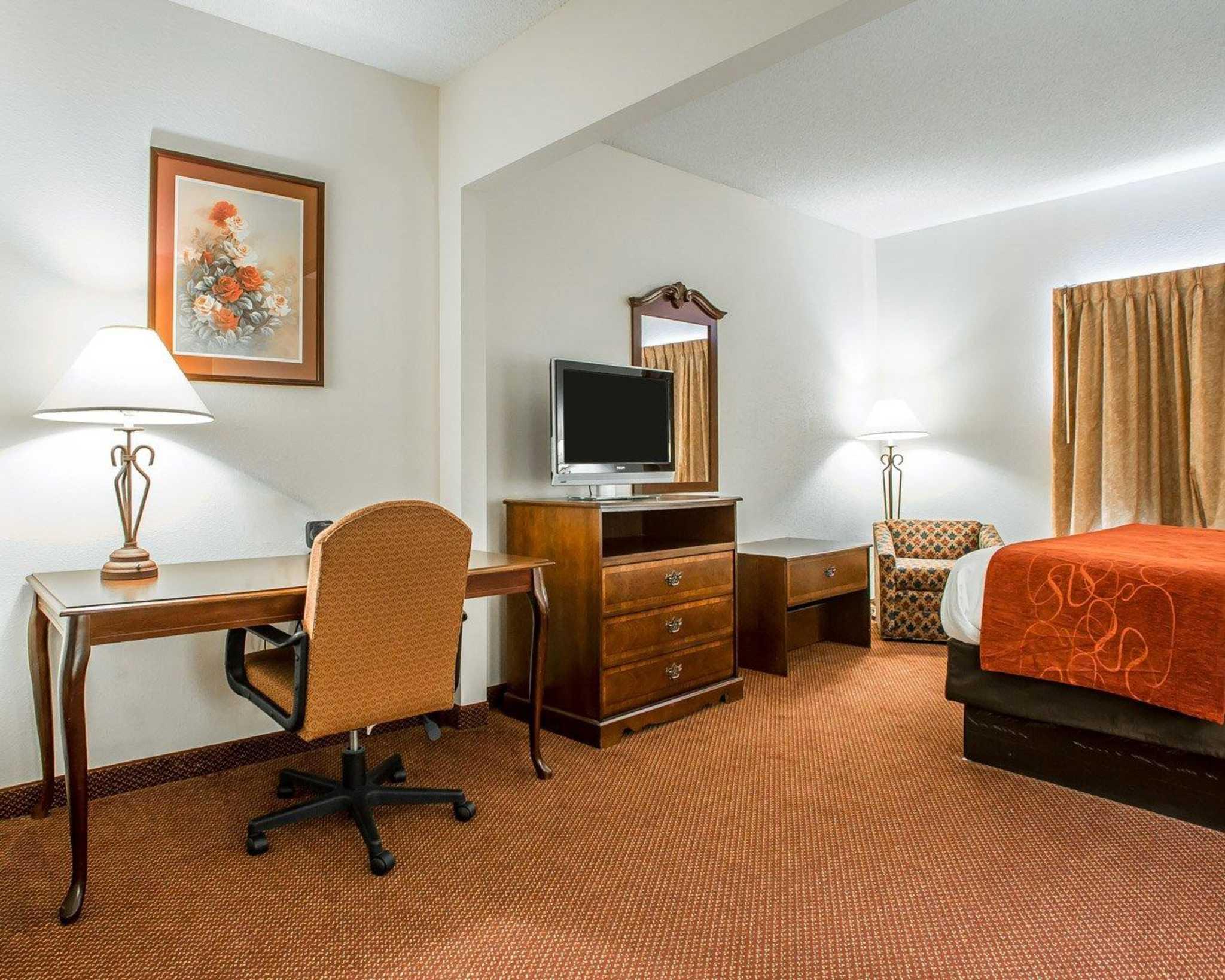 Comfort Suites Jefferson City image 22